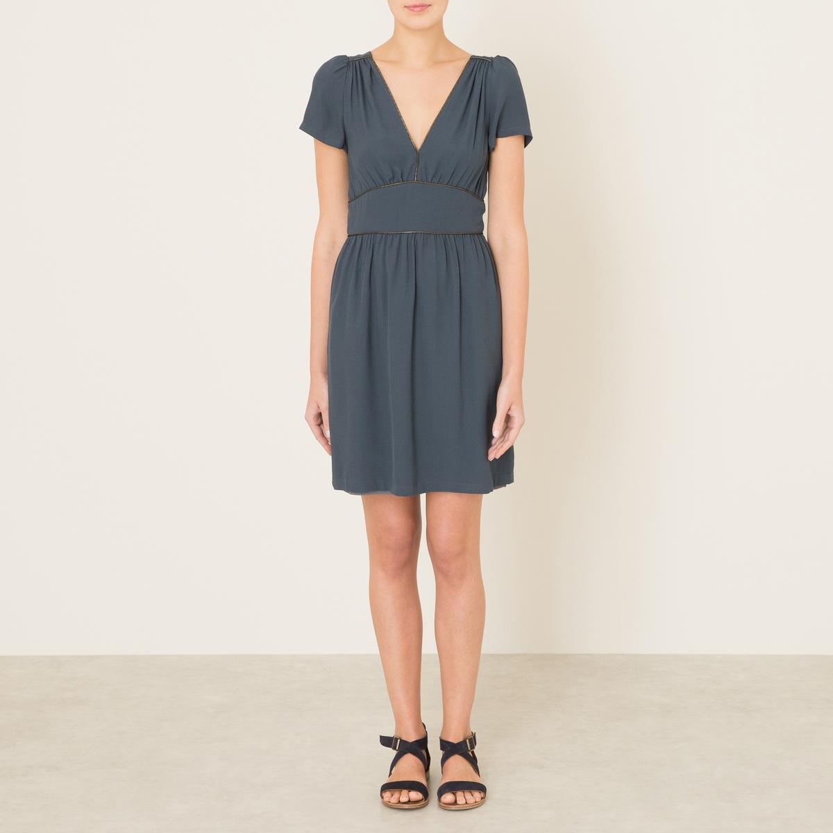 Платье DOROTHY PARKERСостав и описание    Материал : 100% вискоза   Марка : SESSUN<br><br>Цвет: серый