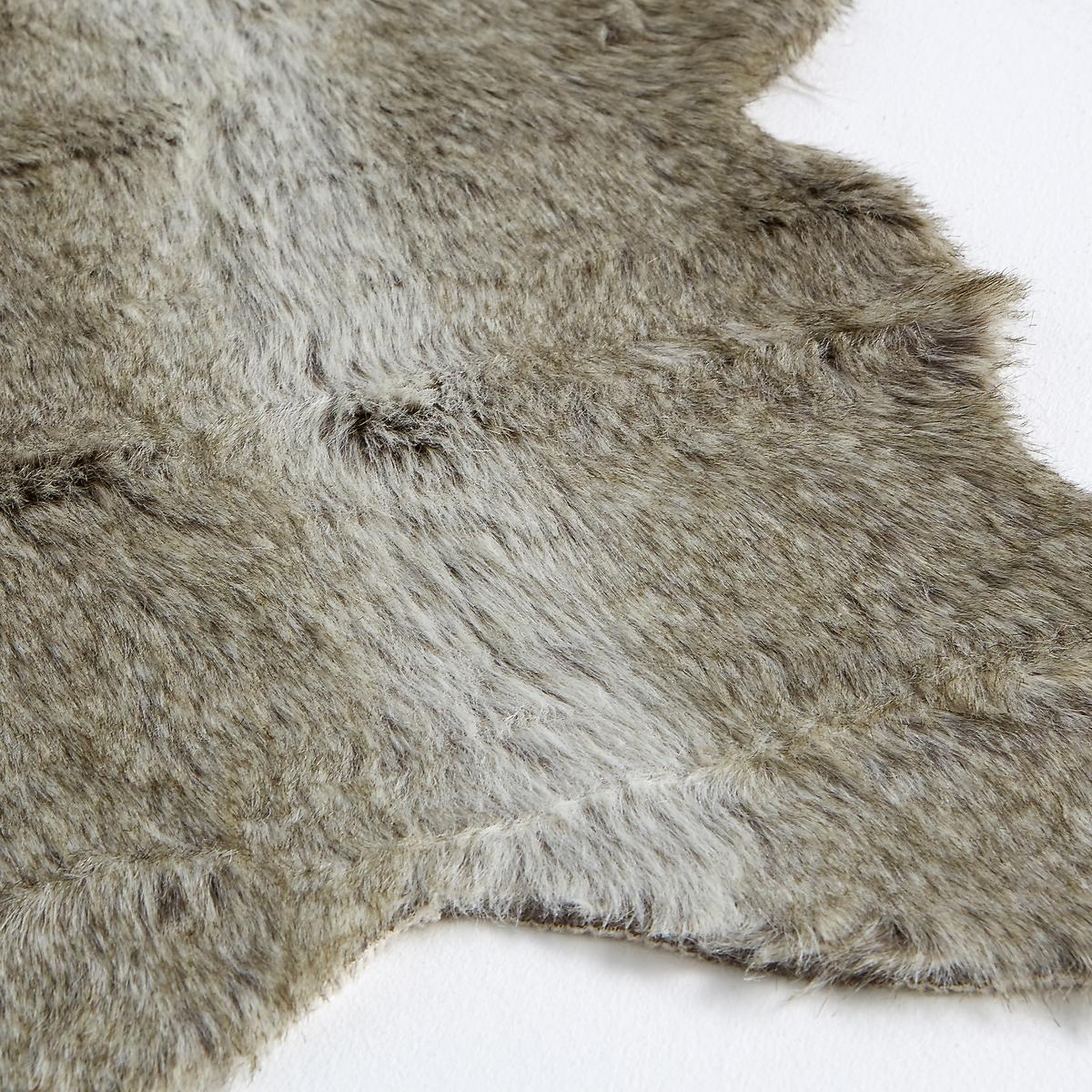 Прикроватный коврик под шкуру волка, WulpiПрикроватный коврик из искусственного меха под шкуру волка, Wulpi. Отличный коврик, который придаст вашему интерьеру мягкий, уютный и стильный вид. Вам понравится его оригинальная форма, которая придает ему дополнительный аутентичный стиль. Описание прикроватного коврика Wulpi :Искусственный мех 80% акрила, 20% полиэстераРазмеры прикроватного коврика Wulpi :Ширина : 55 смДлина : 90 смПодходящий ковер Вы можете найти на сайте laredoute.ru<br><br>Цвет: темно-серый<br>Размер: 55 x 90 см