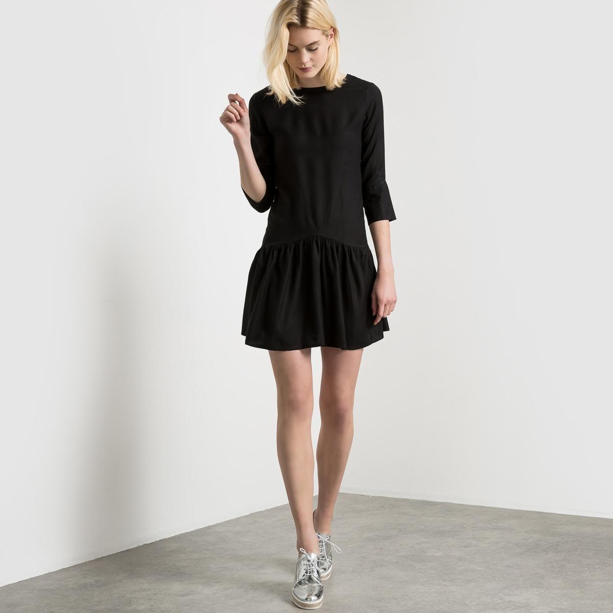 Платье с рукавами 3/4 и V-образным вырезом сзадиПлатье 100% вискоза. Вырез-лодочка. Длинные рукава. Глубокий V-образный вырез сзади. Заниженная талия. Кружевные узоры. Длина 90 см.<br><br>Цвет: розовый,черный<br>Размер: 42 (FR) - 48 (RUS).46 (FR) - 52 (RUS)