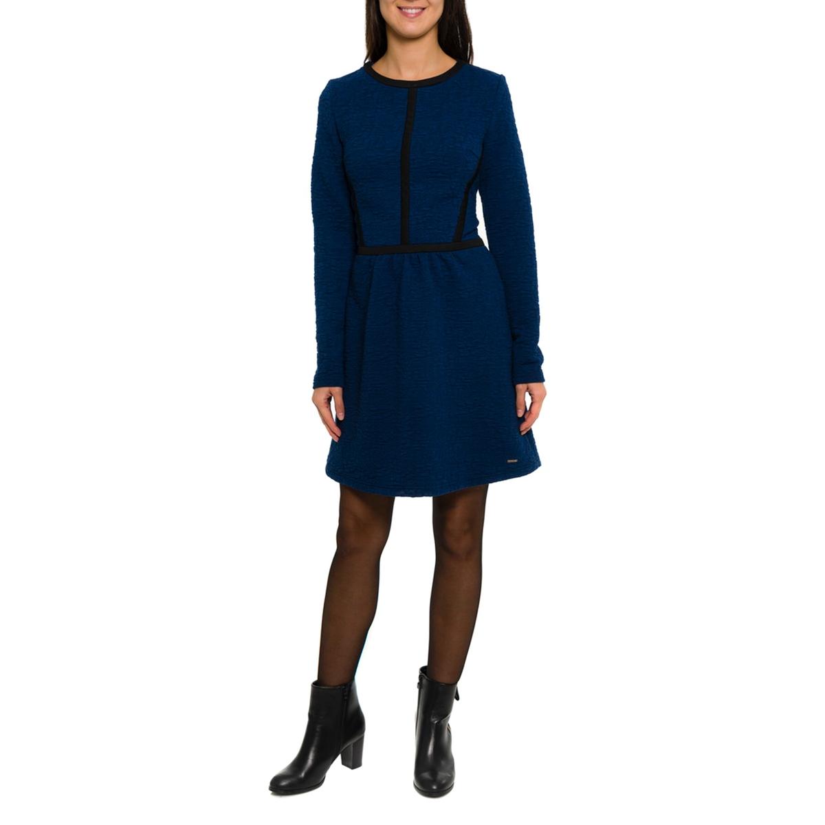 Платье с рисунком и длинными рукавамиСостав и описание:Материал: 100% вискозы.     Марка: PARAMITA.<br><br>Цвет: темно-синий<br>Размер: M.S