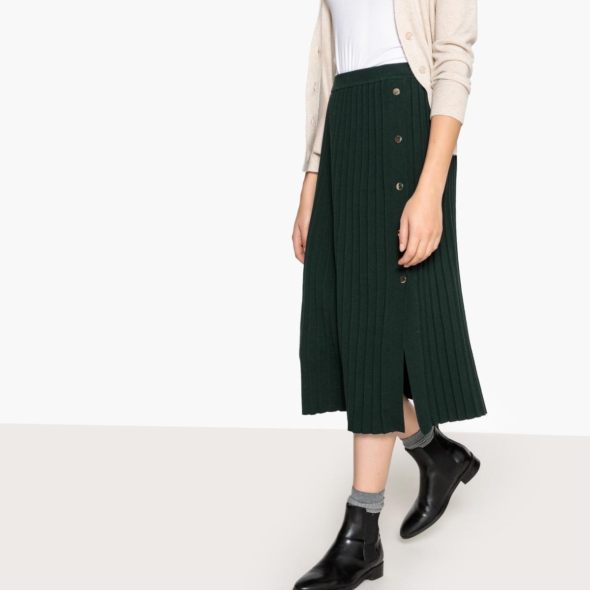 Falda semilarga de punto tricot plisado