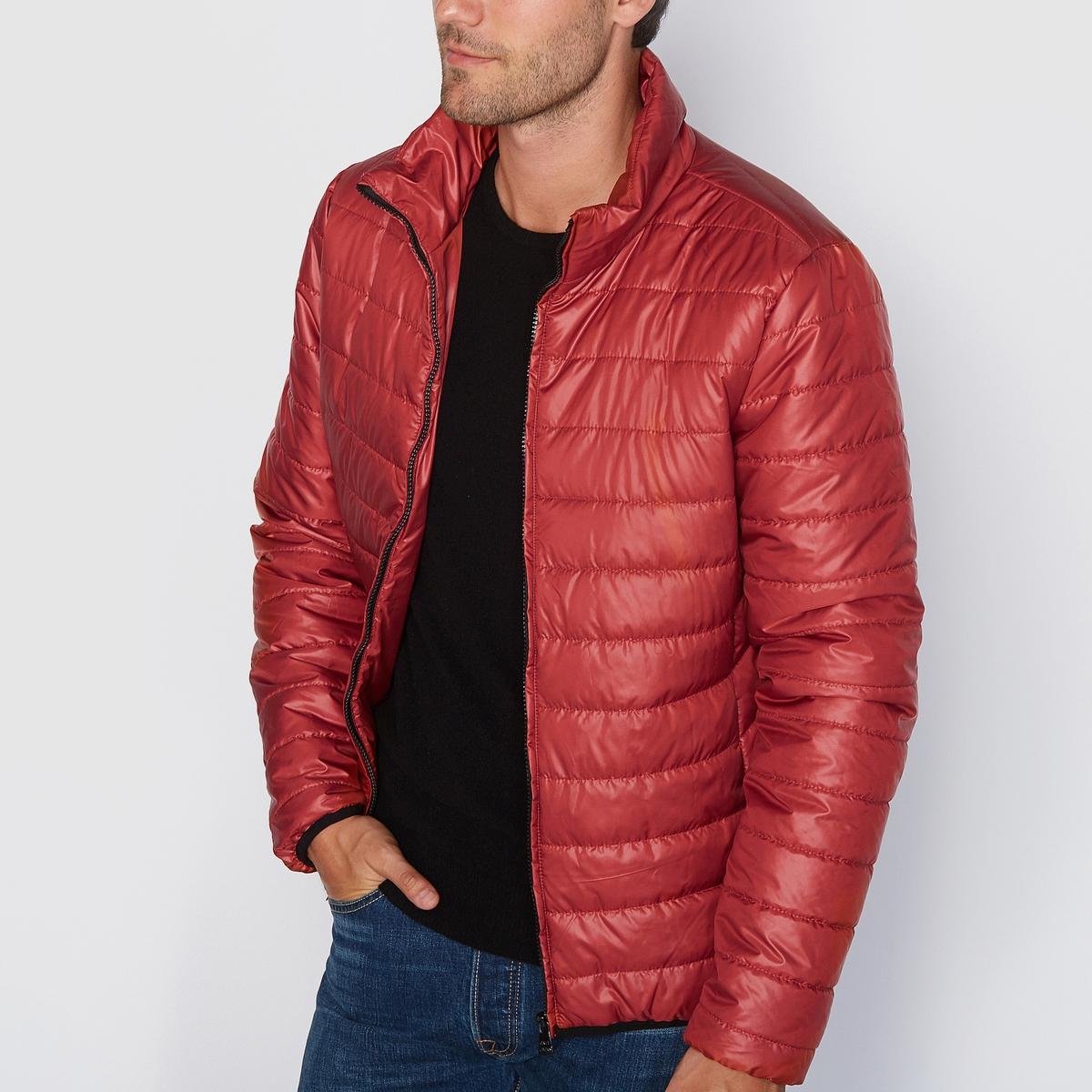Куртка стеганаяКуртка стёганая ONLY &amp; SONS прошитая. Прямой покрой, высокий воротник. Застежка на молнию. 2 кармана с застежкой на молнию. Низ и манжеты эластичные. Состав и описаниеМатериал: 100% полиэстера.      Марка: ONLY &amp; SONS.<br><br>Цвет: красный