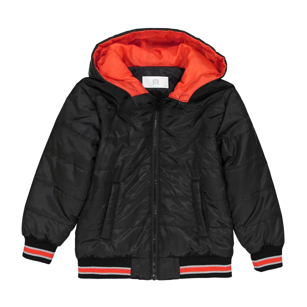 Куртка легкая с капюшоном 3-12 летОписание:Детали •  Демисезонная модель •  Непромокаемая •  Застежка на молнию •  С капюшоном •  Длина : средняяСостав и уход •  100% полиамид •  Подкладка  : 100% полиэстер •  Наполнитель : 100% полиэстер •  Температура стирки 30° •  Сухая чистка и отбеливание запрещены •  Не использовать барабанную сушку •  Не гладить<br><br>Цвет: красный,черный<br>Размер: 3 года - 94 см.10 лет - 138 см.8 лет - 126 см.4 года - 102 см.3 года - 94 см.12 лет -150 см.10 лет - 138 см.8 лет - 126 см.6 лет - 114 см.5 лет - 108 см.4 года - 102 см.6 лет - 114 см