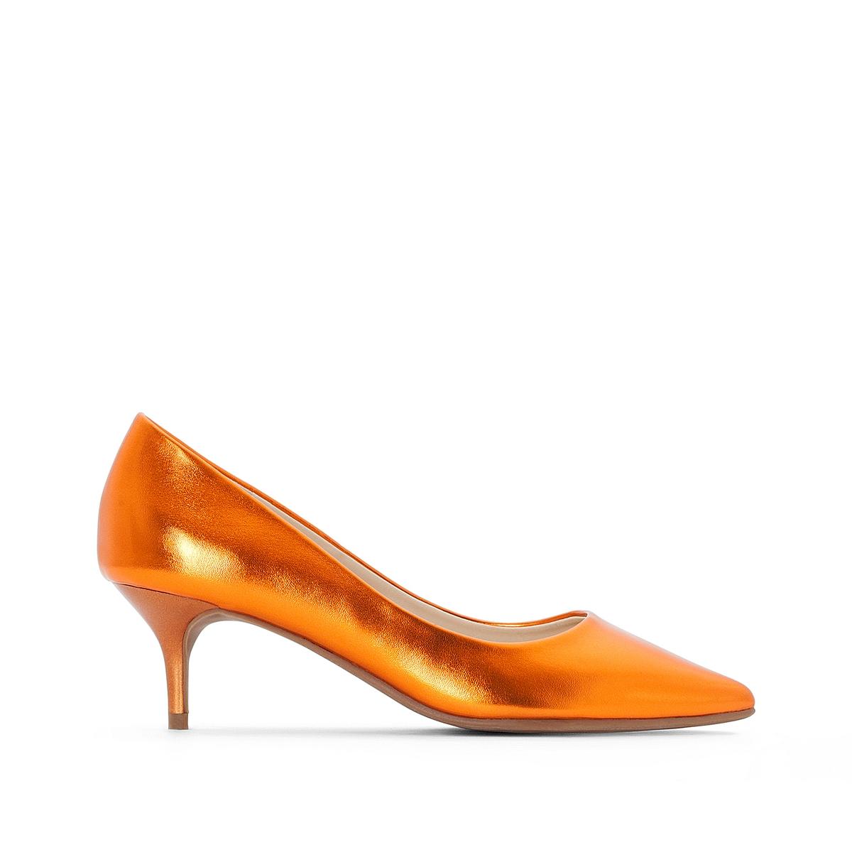 Sapatos metalizados