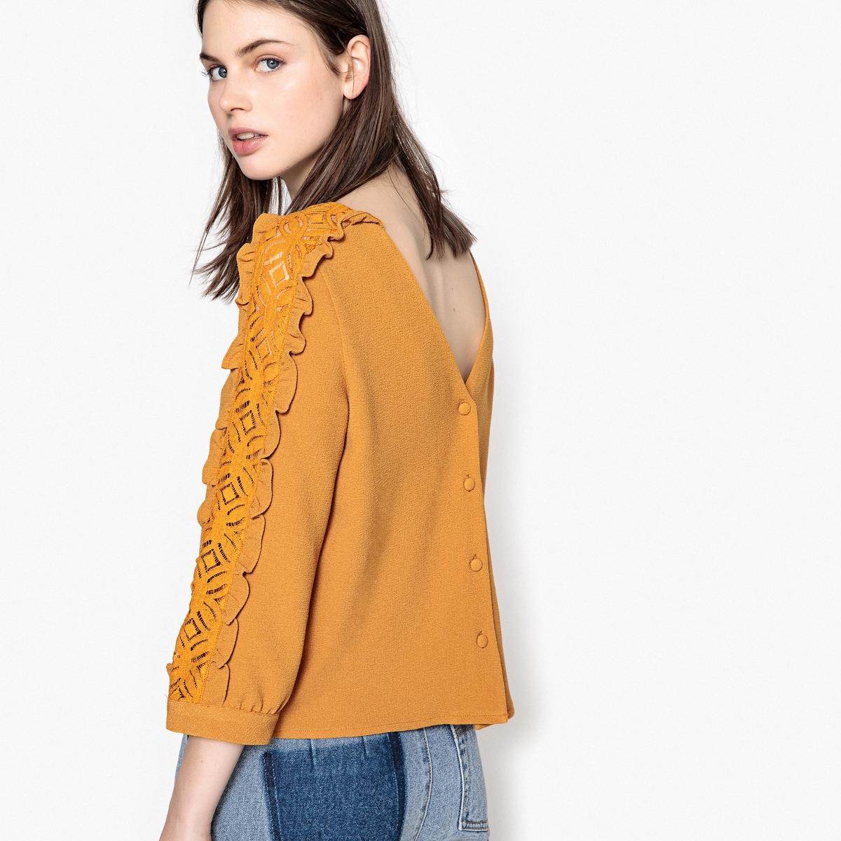 Блузка с застежкой на пуговицы сзади и кружевными вставками