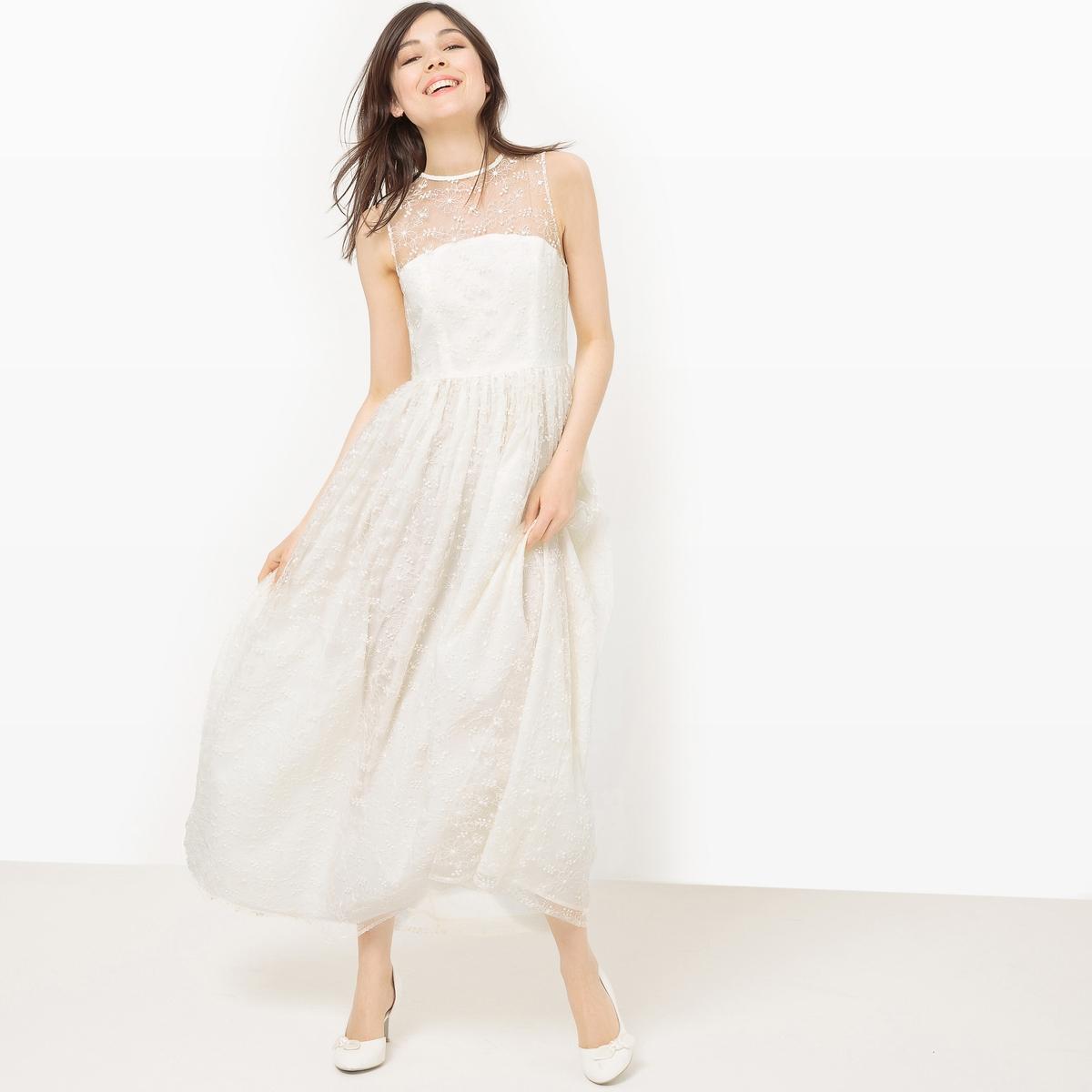 Платье длинное без рукавов с кружевными вставками
