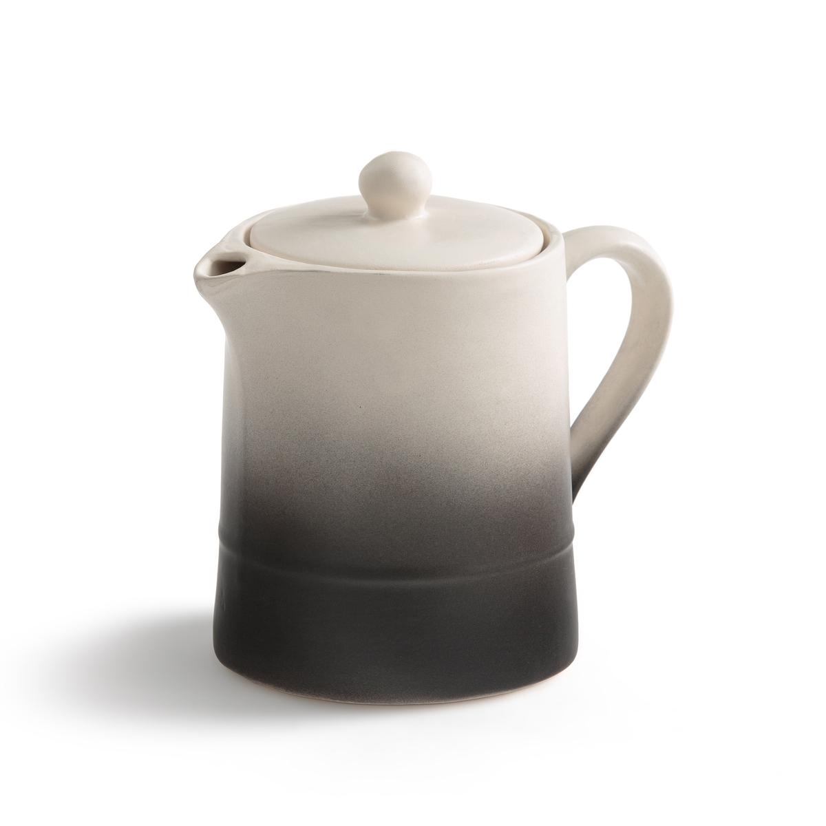 Чайник из фаянса Asaka, дизайн В. БарковскиLa Redoute<br>Чайник Asaka. Творение Валери Барковски эксклюзивно для AM .PM коллекция предметов для стола, созданная под вдохновением от ее путешествий в Индию или Марокко, с оригинальными рисунками и формами, из натуральных материалов и текстуры ткани без отделки.Аутентичность и неподвластность времени - его ключевые слова, его творения отлично подходят для создания качественных товаров, неподвластных моде, сочетающих простоту, оригинальность и ручное производство.Красивая форма в стиле итальянского кофейника и фаянс, покрытый глазурью, для оригинальной отделки: верх с гладкой поверхностью белого цвета и низ с необработанной и слегка шероховатой поверхностью черного цвета. Характеристики : - Из фаянса, покрытого глазурью- Подходит для посудомоечной машины. - Объем 1 л.Размеры : - ?12 x В.16 см<br><br>Цвет: черный/ белый