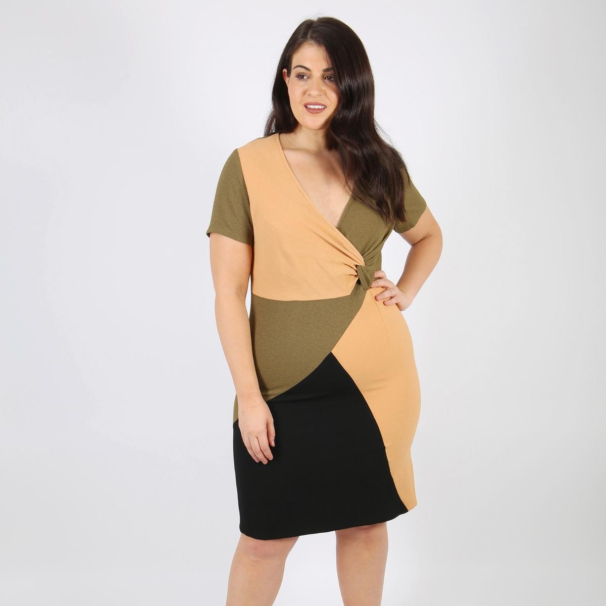 Платье прямое средней длины с короткими рукавами от LOVEDROBE