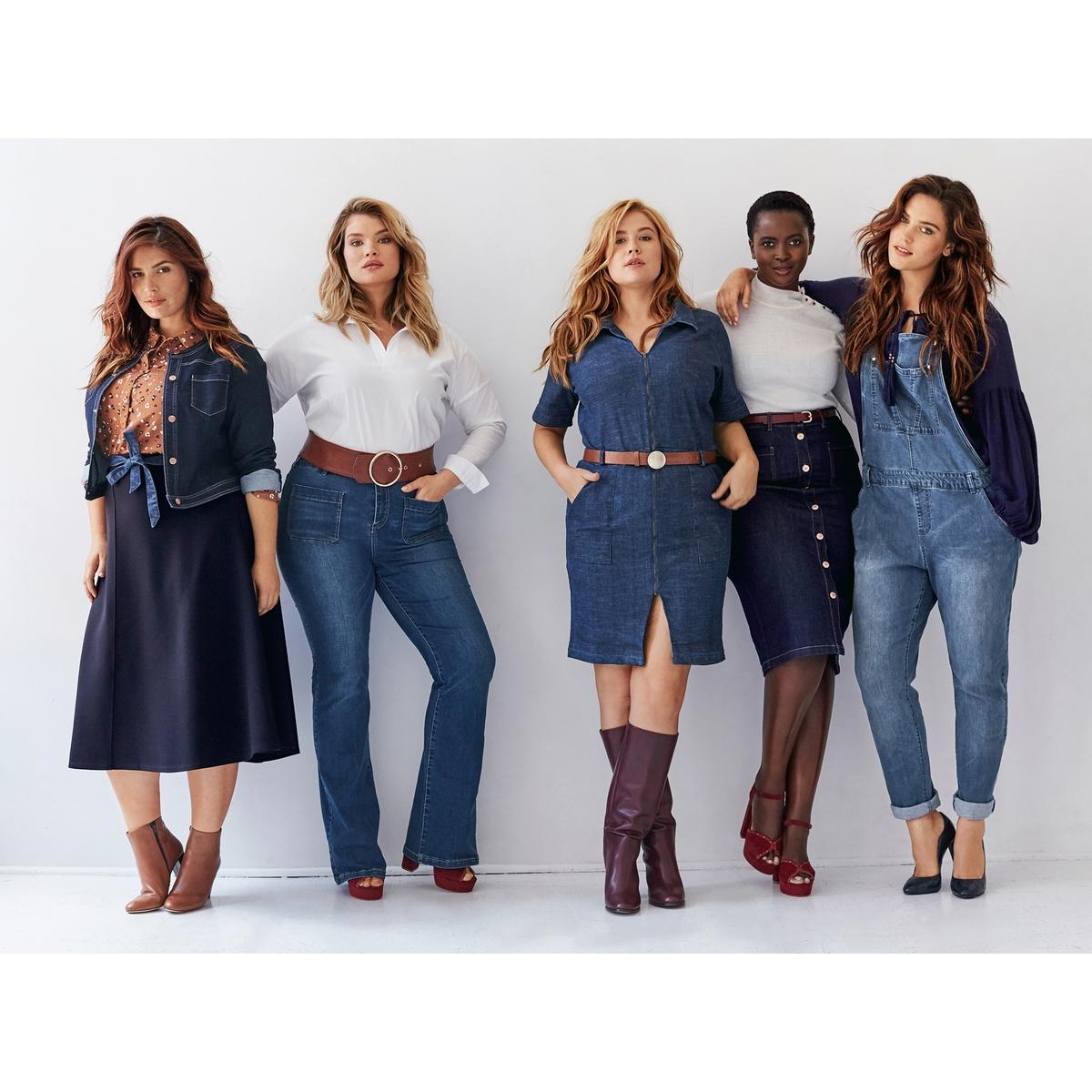 Комбинезон из денимаКомбинезон из денима. В этом сезоне джинсовый комбинезон снова на пике моды! Спереди манишка с большим накладным карманом. 5 карманов. Регулируемые бретели. Застежка на пуговицы сбоку. Пояс со шлевками. 98% хлопок, 2% эластана. Длина по внутреннему шву 78 см., ширина по низу 17 см.<br><br>Цвет: синий потертый<br>Размер: 42 (FR) - 48 (RUS).44 (FR) - 50 (RUS).46 (FR) - 52 (RUS).50 (FR) - 56 (RUS).52 (FR) - 58 (RUS).54 (FR) - 60 (RUS).56 (FR) - 62 (RUS)