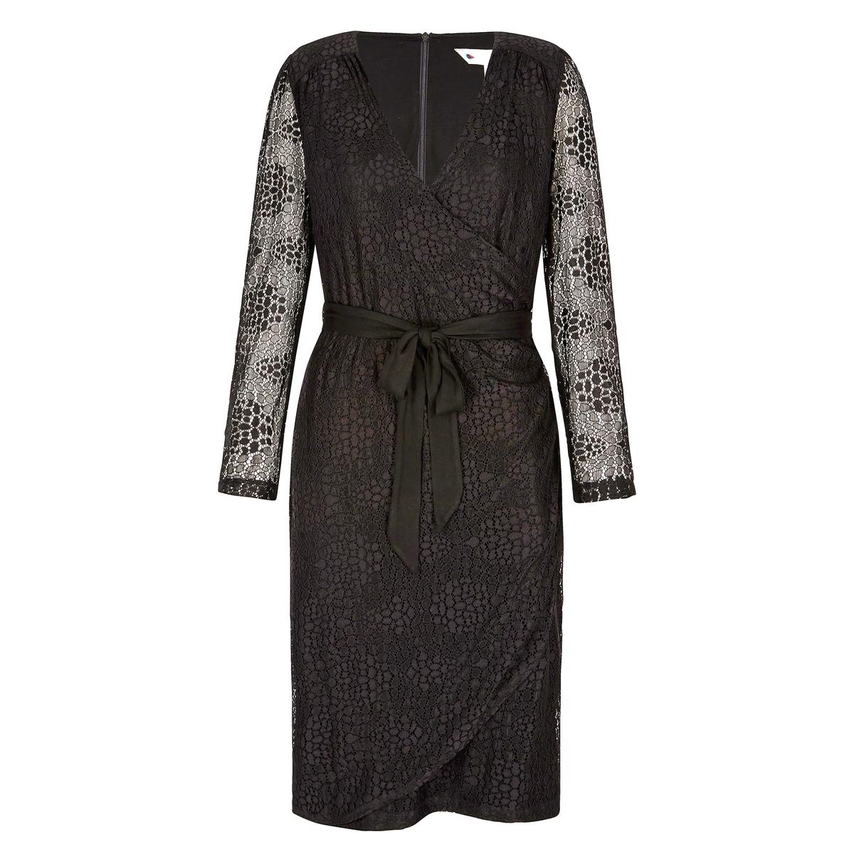 Платье кружевное с запахом UbadКружевное платье Ubad. Длинные рукава. V-образный вырез с запахом. Завязывается на талии. Небольшие сборки на плечах спереди. Полупрозрачные рукава. На подкладке.  Состав и описаниеМатериал : Кружево 90% полиамида 10% эластана - Подкладка 95% вискозы 5% эластанаМарка : YumiМодель : Ubad77УходСледуйте инструкции по уходу на этикетке<br><br>Цвет: черный