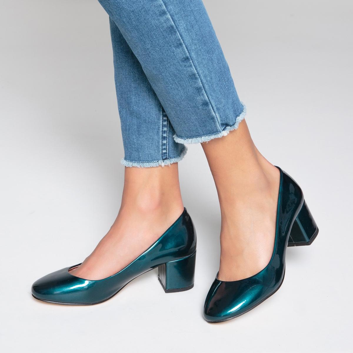 Балетки лакированные на среднем каблукеДетали   •  Высота каблука : 5,5 см •  Круглый мысок •  Застежка : без застежки •  ЛакированныеСостав и уход   •  Верх 100% синтетический материал •  Подкладка 100% синтетический материал •  Стелька 100% кожа •  Подошва 100% эластомер<br><br>Цвет: сине-зеленый,черный<br>Размер: 39.35.40.41