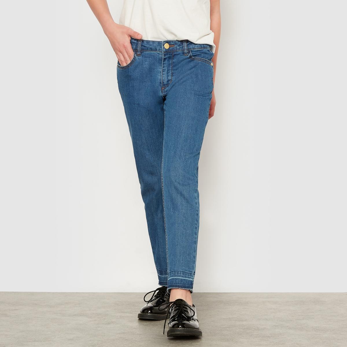 Джинсы узкие с рваным эффектом, возраст  10-16 лет джинсы узкие скинни с вышивкой для 10 16 лет