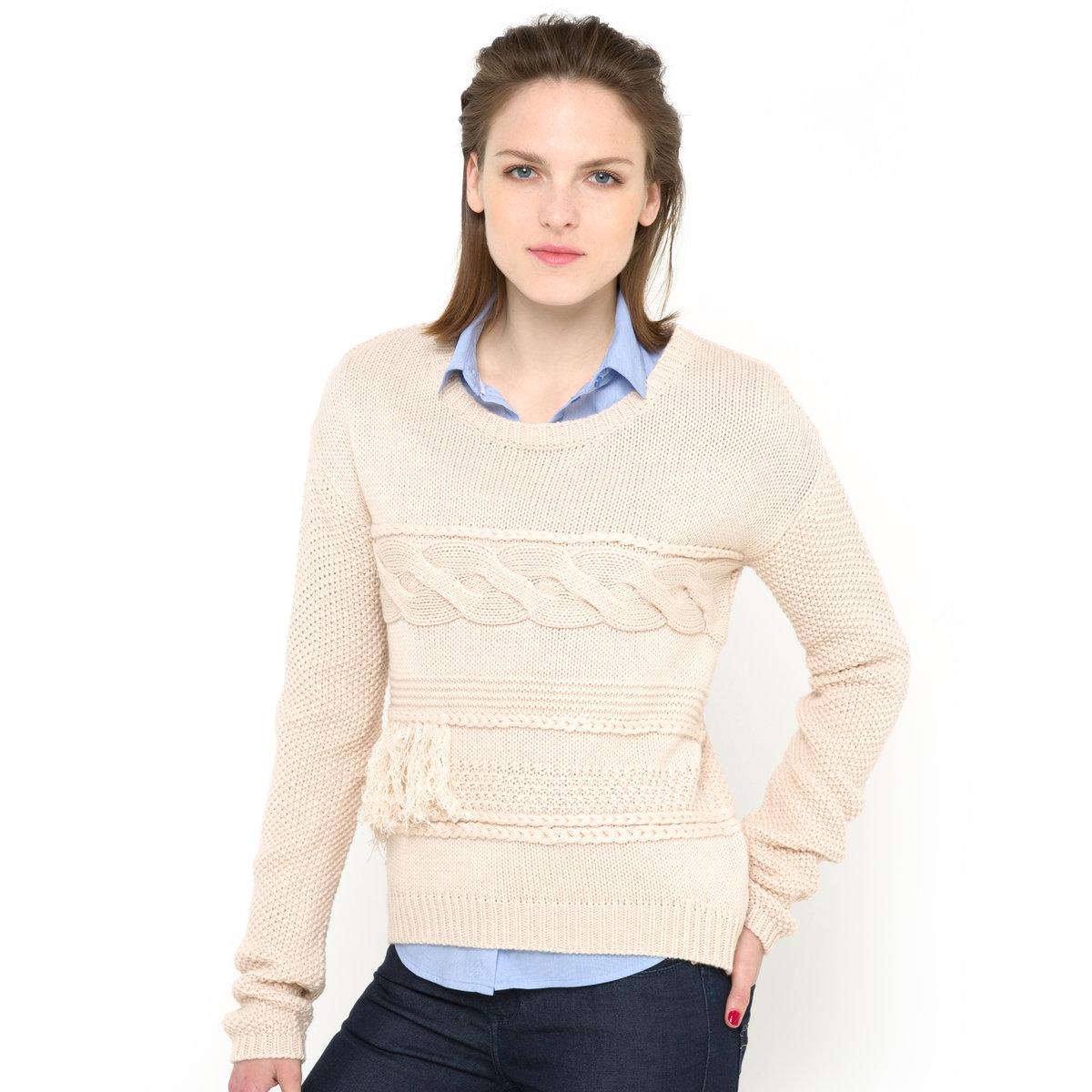 Пуловер с узором косы и бахромойПуловер из узорного трикотажа, 100% акрила. Узор косы и бахрома. Круглый вырез. Длинные рукава. Края связаны в рубчик. Длина ок. 57 см.<br><br>Цвет: экрю<br>Размер: 46/48 (FR) - 52/54 (RUS)