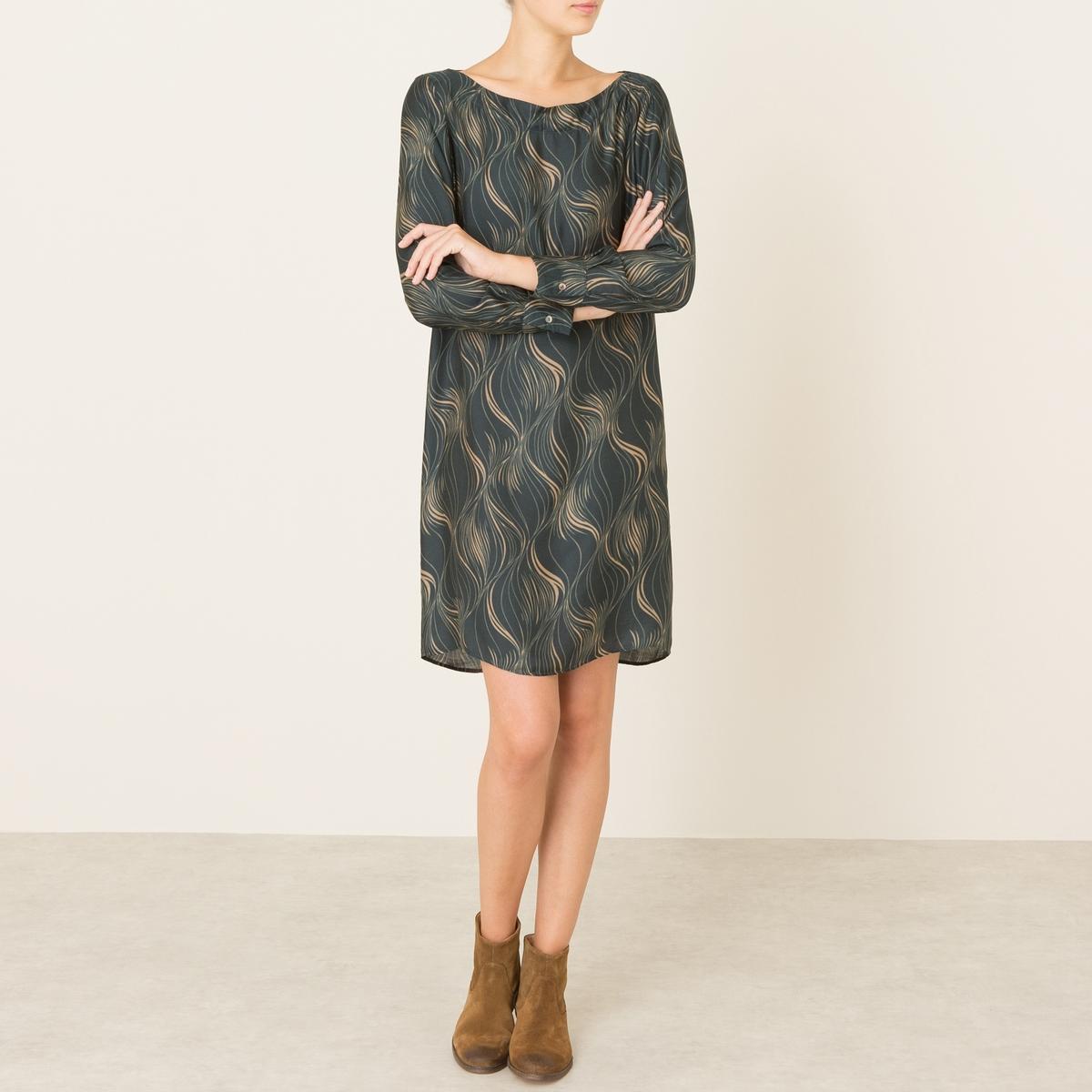 Платье MARTAПлатье DIEGA - модель MARTA. Платье-футляр со сплошным рисунком. Вырез-лодочка. Края рукавов с отворотами контрастного цвета. Состав и описание Материал : 80% вискозы, 20% шелкаМарка : DIEGA<br><br>Цвет: зеленый