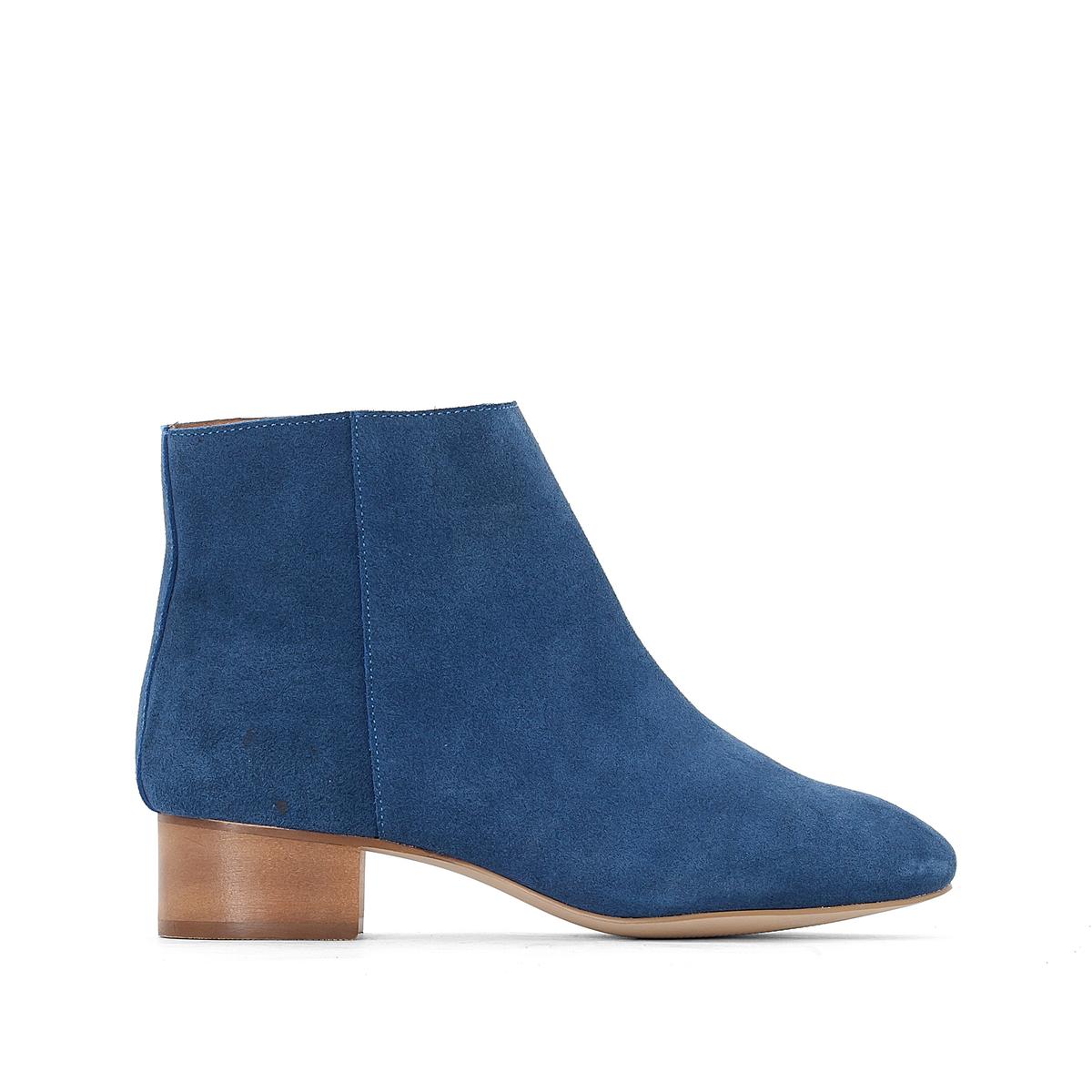 Ботильоны кожаные на среднем каблукеОписание:Детали  •  Высота голенища : 11 см для размера 37 •  Высота каблука : 4 см •  Застежка : на молнию •  Круглый мысок •  Гладкая отделкаСостав и уход  •  Верх 100% кожа •  Подкладка 100% кожа<br><br>Цвет: синий<br>Размер: 39.38