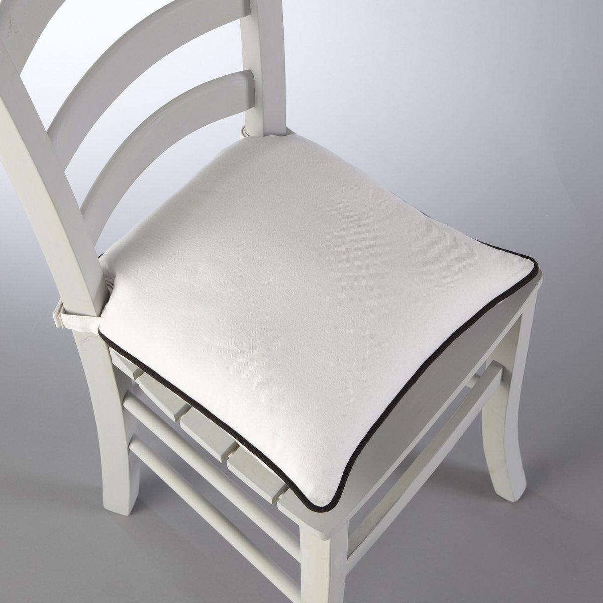 Подушка для стула, BRIDGYКоллекция предметов декора Valeur S?re - качественные изделия с красивой отделкой. Существует 5 однотонных расцветок и 1 принт в полоску (не для всех моделей). Все чехлы для мебели: кресел, диванов, стульев и для декоративных подушек (продаются отдельно на нашем сайте) отлично сочетаются. Состав, описание и уход: - 100% хлопок, отделка контрастным кантом. - Наполнитель: 100% полиэстера. - Съемный чехол. - Стирать при 40°C.- Застежка текстильная (липучка). - Размеры: 40 x 40 см, толщина: 4 см.Сертификат Oeko-Tex® дает гарантию того, что товары изготовлены без применения химических средств и не представляют опасности для здоровья человека.<br><br>Цвет: антрацит/светло-серый,белый/ черный,бордовый/антрацит,индиго/серый жемчужный,серо-бежевый/серо-коричневый,серый жемчужный/ белый,Сине-зеленый/черный<br>Размер: 40 x 40  см.40 x 40  см.40 x 40  см.40 x 40  см