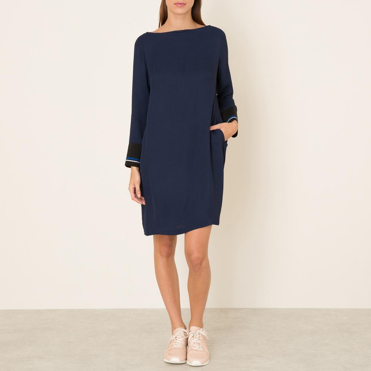 Платье LISAСостав и описание    Материал : 100% вискоза   Длина : 95 см. (для размера 36)   Марка : MOMONI<br><br>Цвет: темно-синий<br>Размер: S