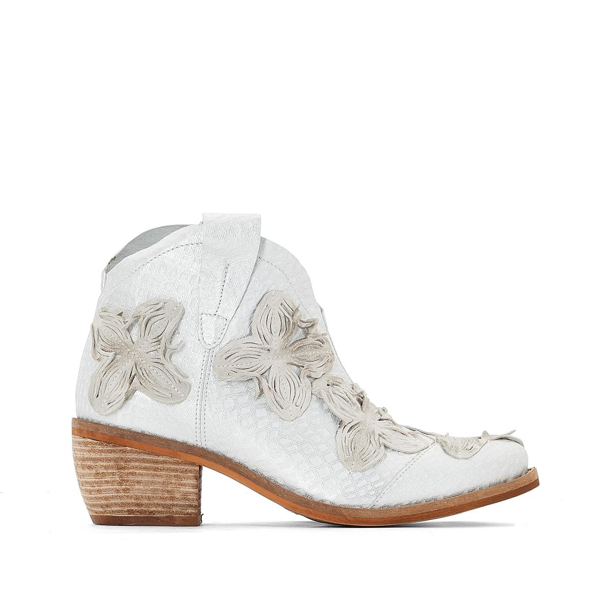 Ботильоны кожаные JoleneВерх : кожа   Подкладка : кожа   Стелька : кожа   Подошва : резина   Высота каблука : 5 см   Форма каблука : квадратный каблук   Мысок : заостренный мысок     Застежка : молния<br><br>Цвет: серебристый<br>Размер: 41.39