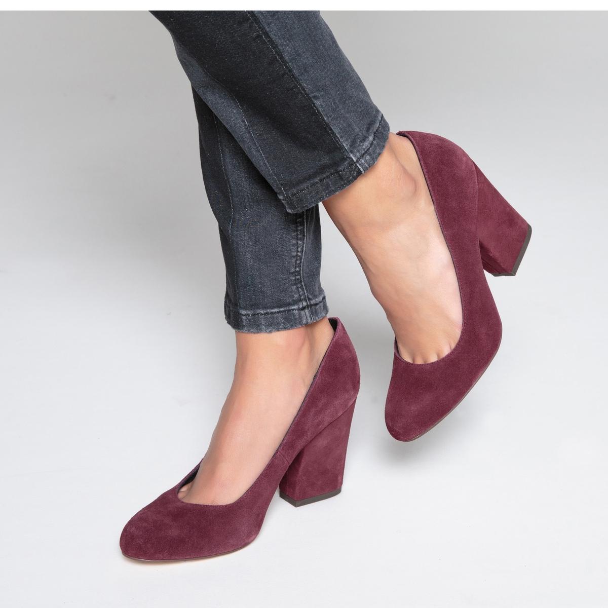 Туфли кожаные на широком каблукеОписание •  Широкий каблук •  Высота каблука : 9 см •  Застежка : без застежки •  Закругленный мысок •  Гладкая отделкаСостав и уход •  Верх 100% кожа •  Подкладка 100% хлопок<br><br>Цвет: сливовый,черный<br>Размер: 38