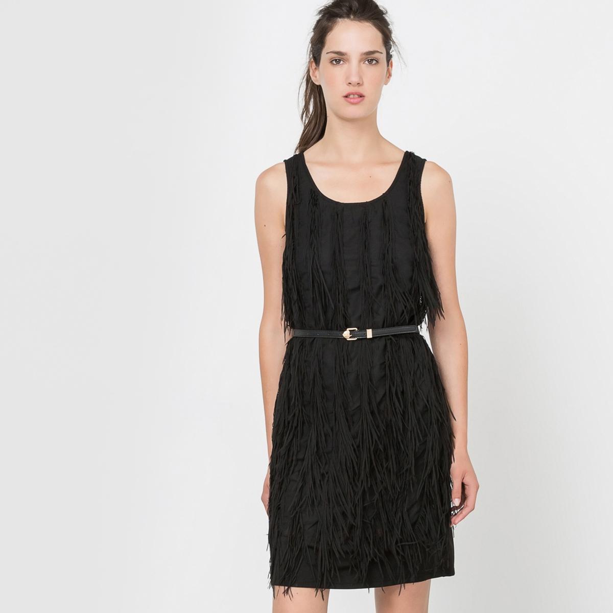 Платье прямое без рукаавовПлатье - MOLLY BRACKEN. Прямой покрой.  Круглый вырез. Отделка бахромой.          Состав и описаниеМатериал: 100% полиэстера.     Марка: MOLLY BRACKEN.<br><br>Цвет: черный