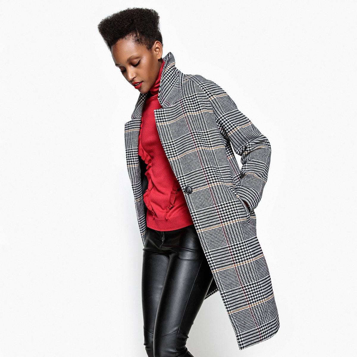 Пальто в клеткуОписаниеСтильное пальто овальной формы, в котором холода вам ни по чем. Застежка на 1 пуговицу . Рукава реглан. Полностью на подкладке.Детали •  Длина : длинная •  Воротник-поло, рубашечный •  Рисунок в клетку • Застежка на пуговицыСостав и уход •  52% полиэстера, 27% акрила, 15% шерсти, 4% полиамида, 2% вискозы •  Подкладка : 100% полиэстер • Не стирать Деликатная сухая чистка / не отбеливать •  Не использовать барабанную сушку   •  Низкая температура глажки  •  Длина : 99 см<br><br>Цвет: В клетку/фон экрю<br>Размер: 34 (FR) - 40 (RUS).52 (FR) - 58 (RUS).50 (FR) - 56 (RUS).48 (FR) - 54 (RUS).46 (FR) - 52 (RUS).44 (FR) - 50 (RUS).42 (FR) - 48 (RUS).40 (FR) - 46 (RUS).38 (FR) - 44 (RUS).36 (FR) - 42 (RUS)