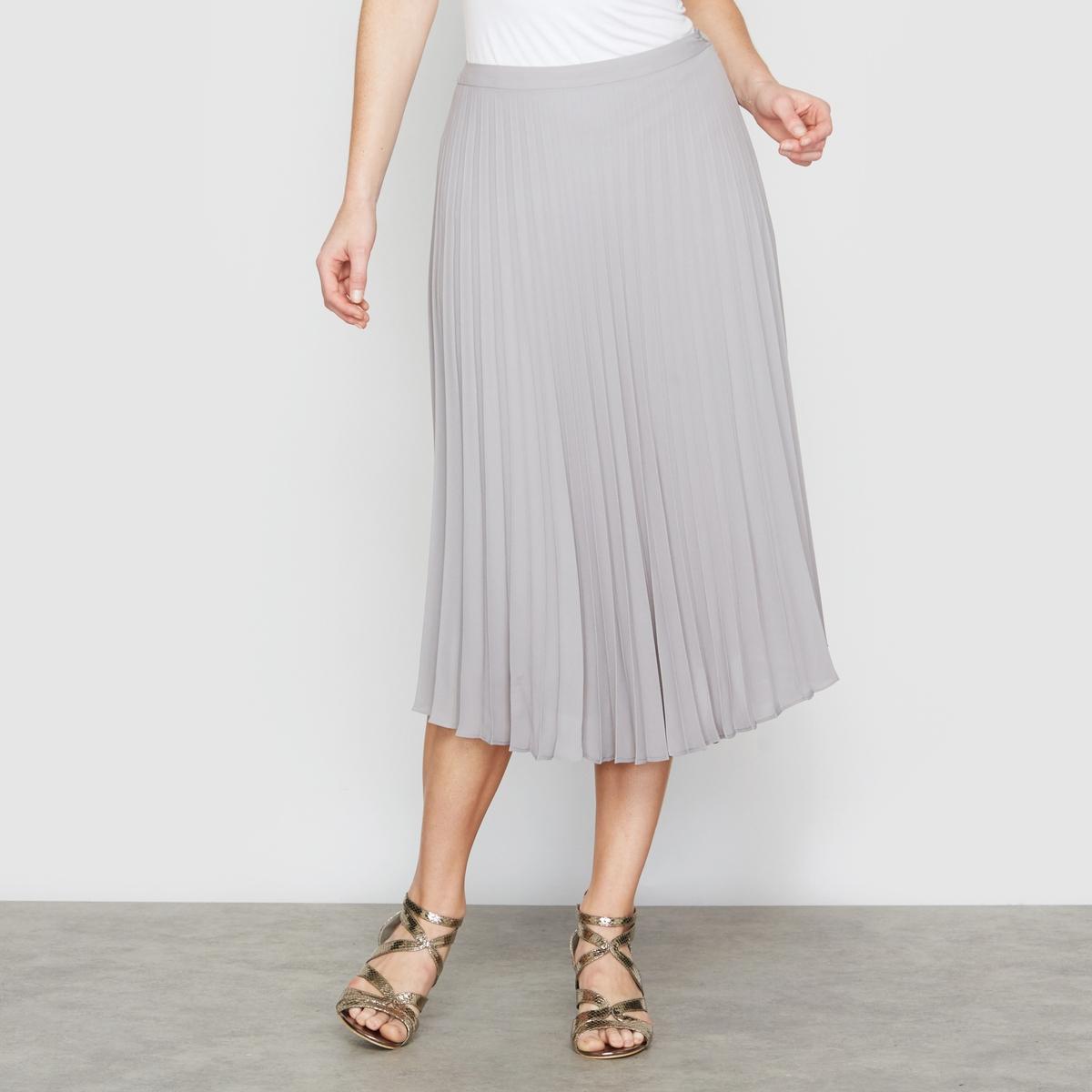 Юбка объемная со складкамиЮбка объемная . Очень элегантная юбка с перманентными складками . Плоский пояс с невидимой застежкой- молнией сбоку. Подкладка из полиэстера. Длина. 68 см. Плиссированная вуаль, 100% полиэстера.<br><br>Цвет: серый<br>Размер: 52 (FR) - 58 (RUS)
