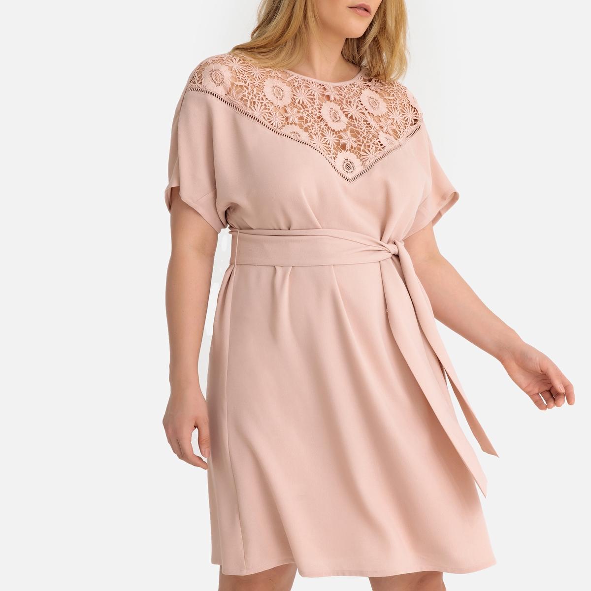 Платье La Redoute Прямое с поясом и вставкой из гипюра спереди 50 (FR) - 56 (RUS) розовый