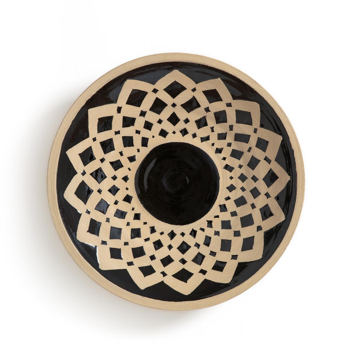 Украшение настенное, ?34 см, рисунок 2, SombralНастенное украшение Sombral. Из керамики. 3 модели с различным рисунком, представленные на нашем сайте, можно сочетать для оригинального настенного украшения в этническом стиле. Пластина для крепления на стену (винт и дюбель продаются отдельно). Размеры: ?34 x В7 см.<br><br>Цвет: черный