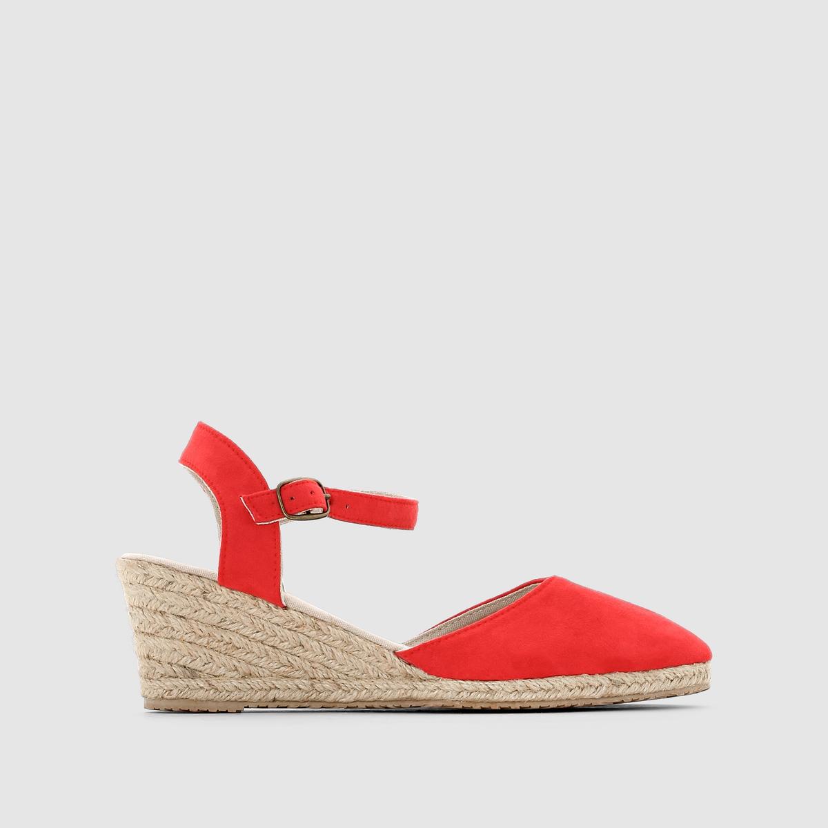 Босоножки на высоком каблуке R ESSENTIELЛетнее настроение и плетеный эффект для яркого образа.<br><br>Цвет: красный<br>Размер: 38
