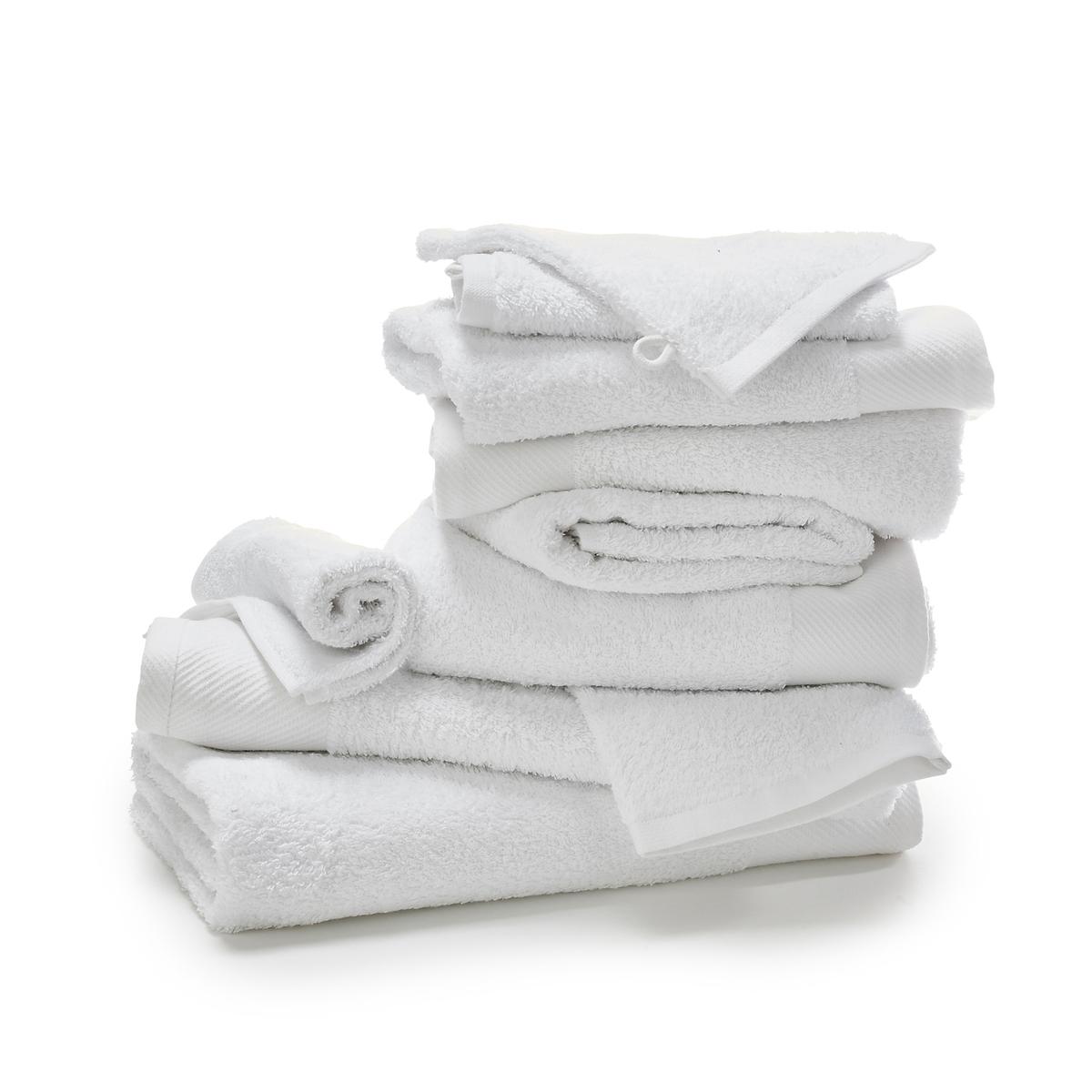 Комплект банный из 10 предметов из махровой тканиБанный комплект из 10 предметов из мягкой и плотной махровой ткани, 500 г, незаменим, если Вы хотите запастись полотенцами или обновить старые !Состав и детали банного комплекта из 10 предметов из махровой ткани: 2 банных полотенца + 4 полотенца + 2 гостевых полотенца + 2 банных рукавички   Материал:  100% хлопок 500 г/м2Drap de bain : разм 70 x 140 см Банное полотенце: разм 50 x 100 см Гостевое полотенце: разм 40 x 40 см Банная рукавичка: разм 15 x 21 см Уход:Машинная стирка при 60° с изделиями схожих цветов.Машинная сушка.<br><br>Цвет: белый
