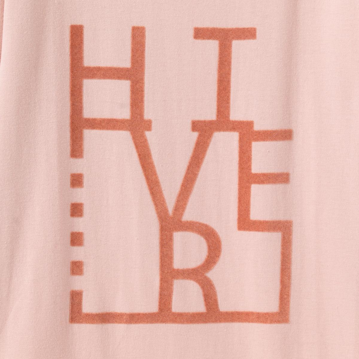 Футболка пижамная бархатистая 10-16 летФутболка пижамная с длинными рукавами, с бархатистым рисунком  Зима спереди . Круглый вырез.Состав и описание : Материал       джерси, 100% хлопкаМарка: R pop.Уход :Машинная стирка при 30°C с вещами подобных цветов.Стирать и гладить с изнаночной стороны.Машинная сушка в умеренном режиме.Гладить при умеренной температуре.<br><br>Цвет: розовый<br>Размер: 16 лет