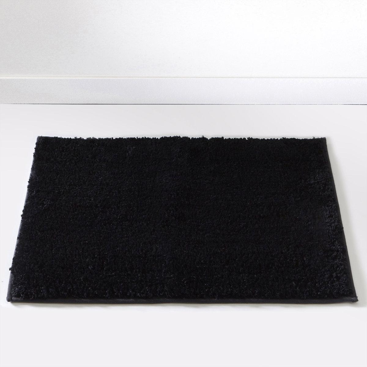 Коврик для ванной SCENARIOОчень удобный толстый коврик для использования рядом с душем или ванной, великолепное качество от Sc?nario, - это гарантия удовольствия, которое останется с вами надолго.Состав коврика для ванной Scenario:Пушистая одноцветная микрофибра, 1500 г/м2.100% полиэстера.Есть версия в форме под раковину 40х50 см и прямоугольной формы 50x70 см и 60x100 см. 7 цветов: бежевый / белый / голубой / темно-серый / черный / зеленый анисовый / фиолетовый сливовый.<br><br>Цвет: зеленый анис,фиолетовый/ сливовый,черный<br>Размер: 60x100 cm