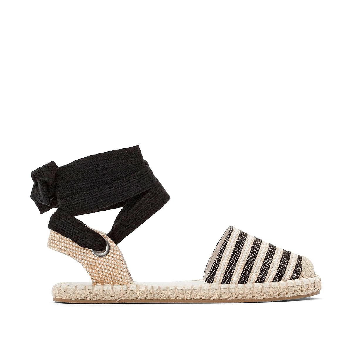 Sandalias alpargatas con cordón en el tobillo