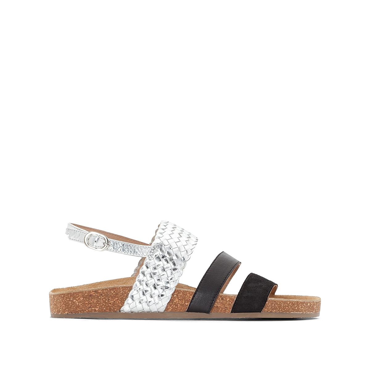 Сандалии кожаные на плоском каблуке