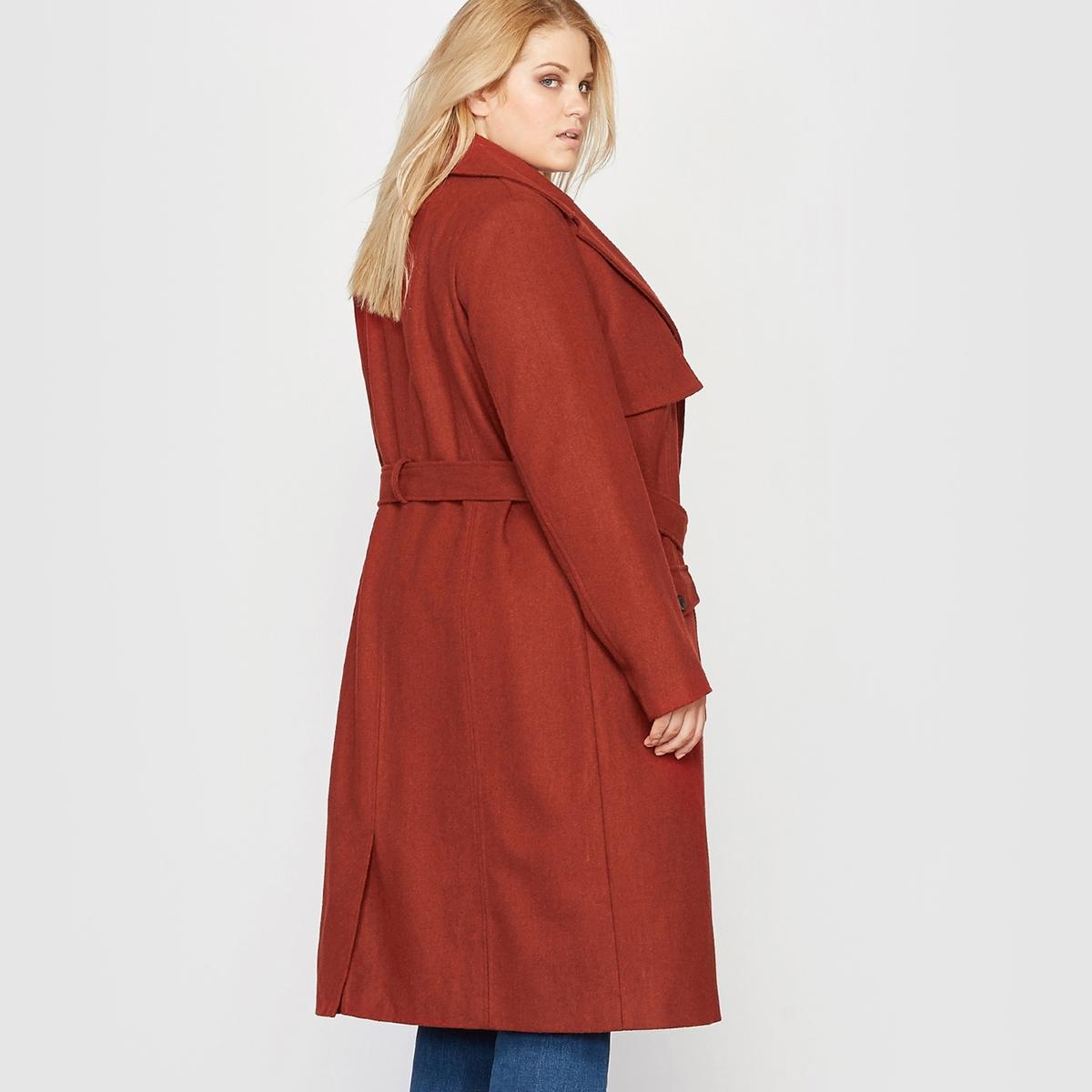 Пальто стилизовано под тренч, 40 % шерстиСостав и описание:Материал: мягкая и тёплая ткань, 60 % полиэстера, 40 % шерсти. Подкладка: 100 % полиэстера.Длина: 107 см для 48 размера. Марка: CASTALUNA.Уход:- Сухая чистка.<br><br>Цвет: красно-коричневый<br>Размер: 56 (FR) - 62 (RUS).46 (FR) - 52 (RUS)