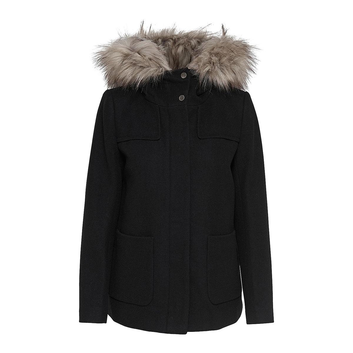 Пальто короткое с капюшоном и съемным мехом