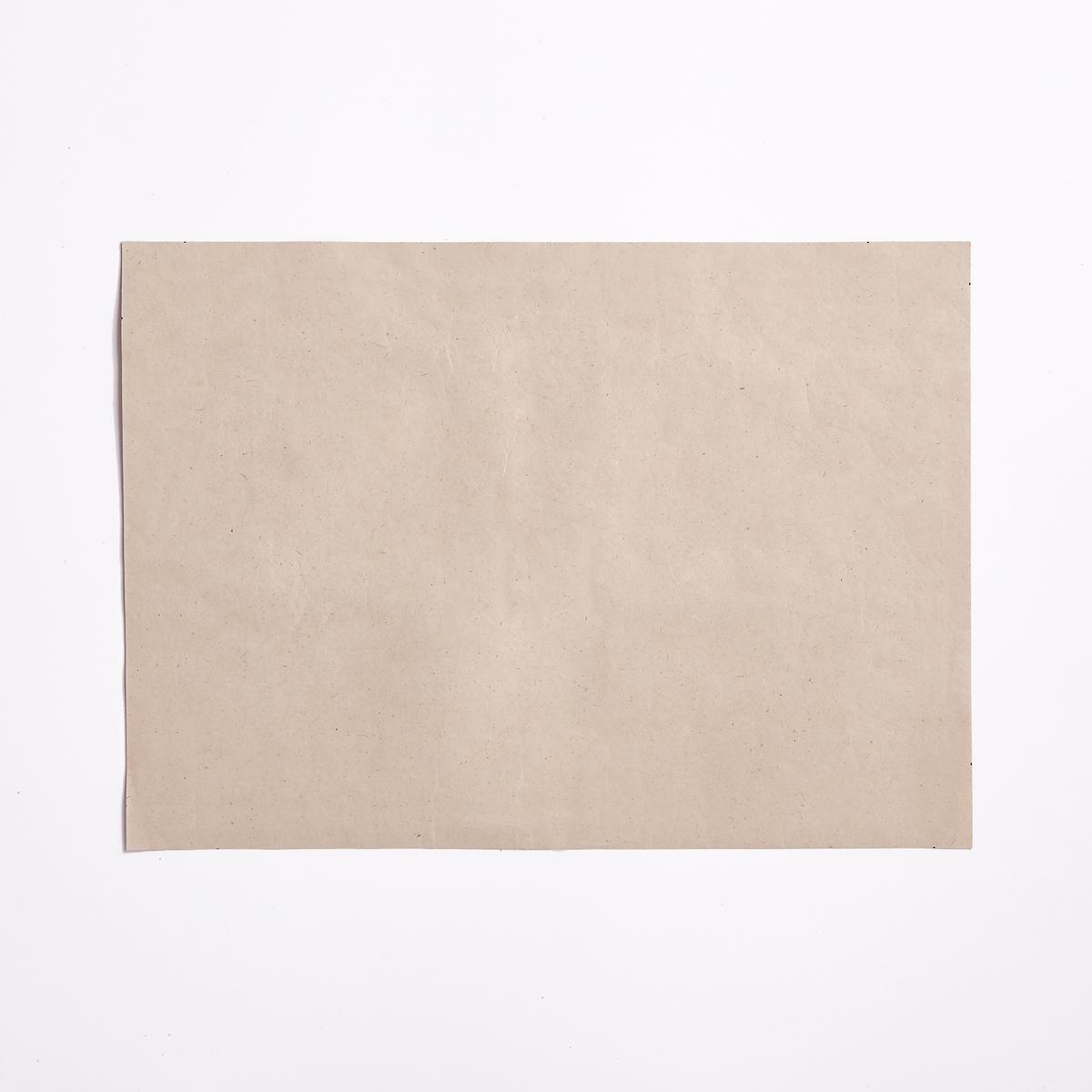 Комплект из 4 одноразовых столовых наборов Peperoti4 столовых набора Peperoti. Одноразовые, из переработанного картона. Красивый оптический рисунок : тарелка, стакан, ложка золотистого цвета и салфетка. Размеры  : длина 42 x ширина 30 см.<br><br>Цвет: белый/зеленый/желтый