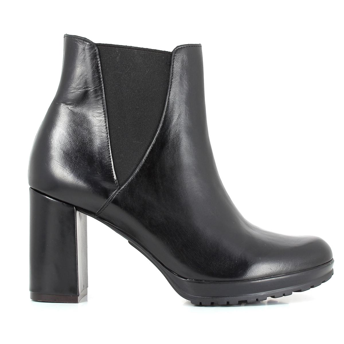 Ботильоны кожаные,  SYNTONYПодкладка: Кожа.Стелька: Кожа.Подошва: Синтетический материал.                            Высота каблука: 8,7 см.Высота голенища: 20 см.Форма каблука: Широкая.Мысок: Круглый.        Застежка: Без застежки.<br><br>Цвет: черный<br>Размер: 39.37