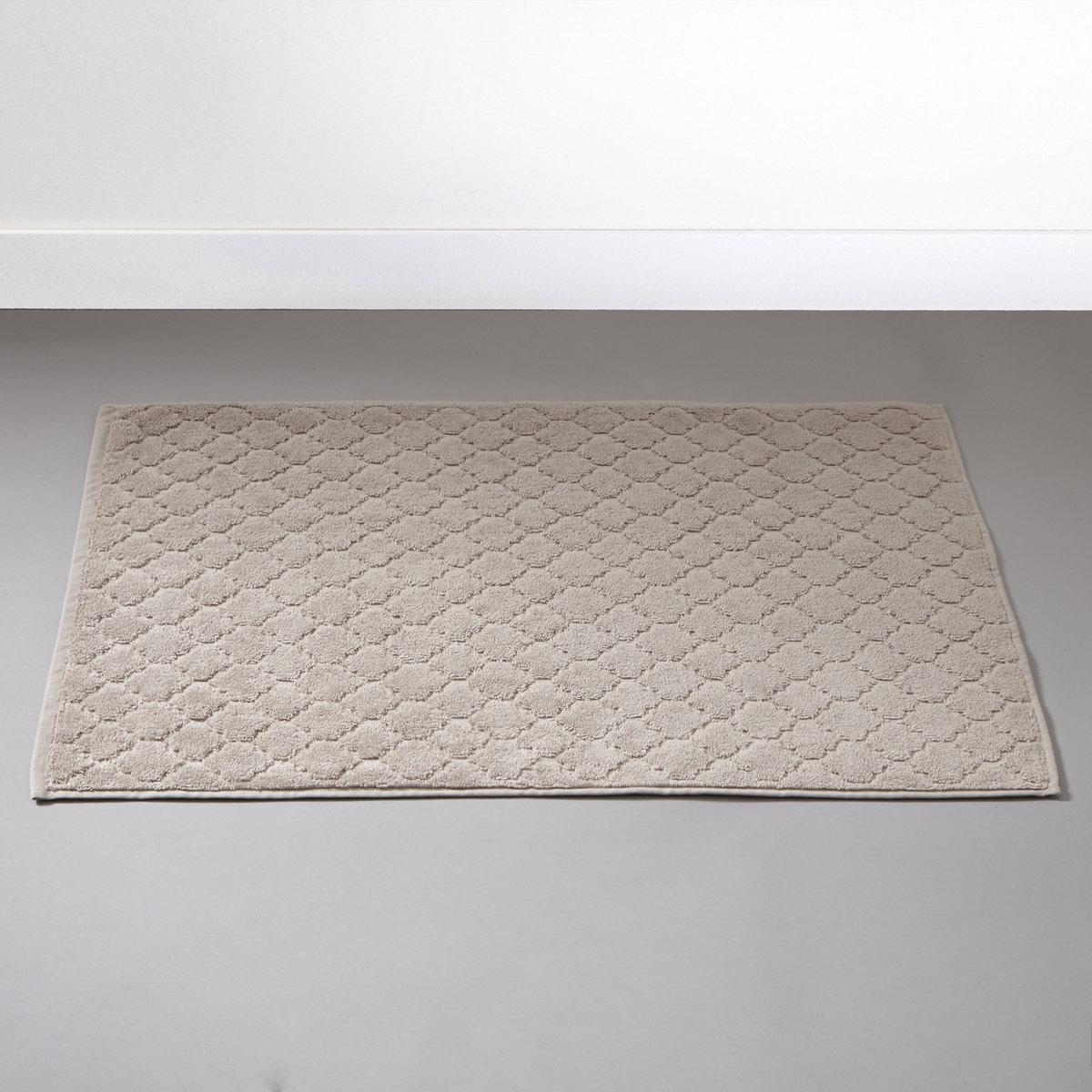 Коврик для ванной АЛЖЮСТРЕЛЬЖаккардовый коврик для ванной, 100% хлопка, 700 г/м?, выстриженные мотивы в восточном стиле. Бахрома по краю.Мягкий, межный и отлично впитывающий махровый материал, стирка при 60°.РАзмеры коврика для ванной : 50 x 70 см.<br><br>Цвет: бежевый песочный,розовое дерево,серо-синий,серый,экрю<br>Размер: прямоуг. 50 x 70 см.прямоуг. 50 x 70 см