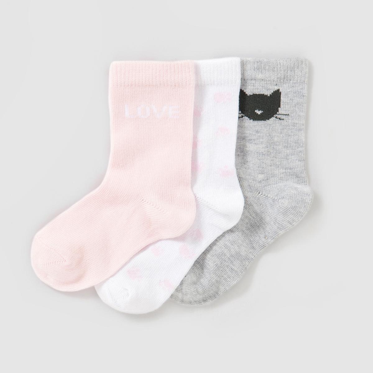 Комплект из 3 пар носков3 пары носков  Состав и описаниеМатериал        75% хлопка, 24% полиамида, 1% эластана<br><br>Цвет: белый + серый + розовый<br>Размер: 23/26