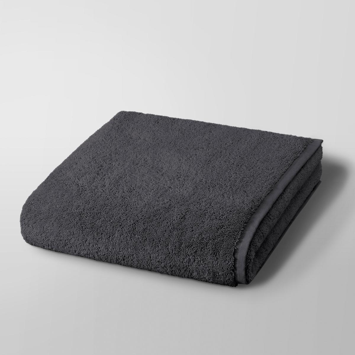 Полотенце банное Gilbear, 100%хлопокБанное полотенце Gilbear. Очень нежная, плотная и мягкая махровая ткань. 100% чесаный хлопок 600г/м?, очень мягкий и устойчивый к износу. Машинная стирка при 60 °С. Размер : 68 x 140 см.<br><br>Цвет: сине-зеленый,темно-серый<br>Размер: 68 x 140  см.68 x 140  см