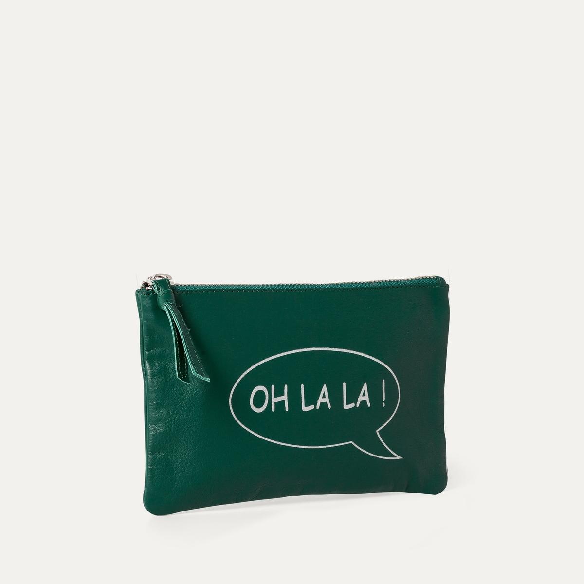 Клатч OHLALAКлатч PETITE MENDIGOTE, модель OHLALA. Из кожи. Подкладка из ткани. Застежка на молнию. Надпись 'OH LA LA !' спереди . Состав и описание    Материал: 100% овечья кожа  Размер: Шир. 20 см x Выс. ок. 14 см.    Марка: PETITE MENDIGOTE.<br><br>Цвет: зеленый<br>Размер: единый размер
