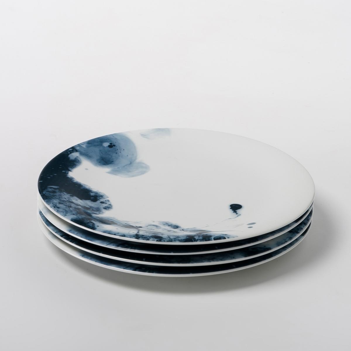 4 тарелки десертные из фарфора Encira4 тарелки десертные Encira . Очень красивый эффект синей акварели. Из глазурованного фарфора. Размер : ?22 см. Можно мыть в посудомоечной машине и использовать в микроволновой печи. Сделано в Португалии. Кружка и плоская тарелка из комплекта продаются на нашем сайте .<br><br>Цвет: синий<br>Размер: единый размер
