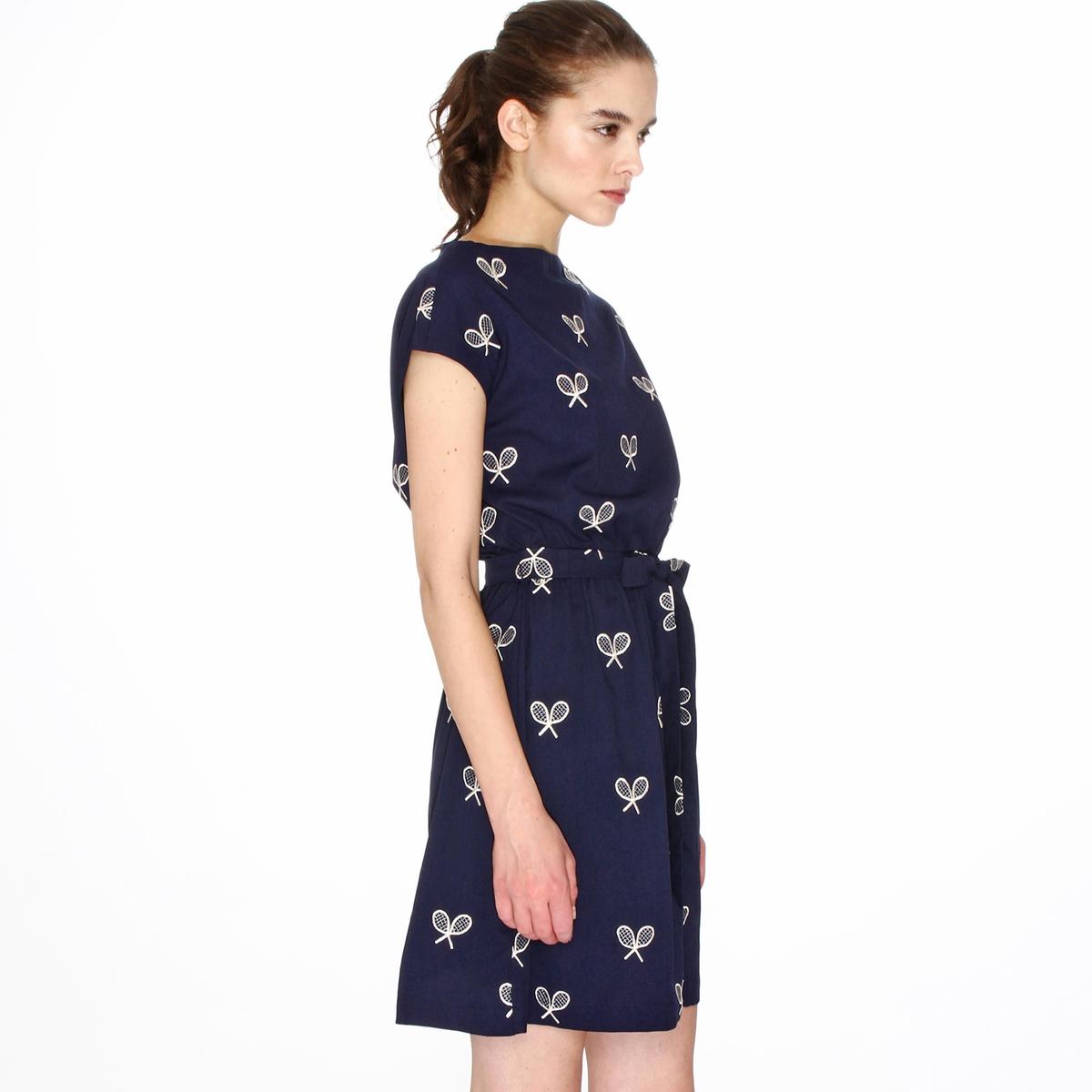 Платье с короткими рукавами и вышивкой теннисные ракеткиМатериал : 3% эластана, 97% полиэстера.  Длина рукава : Короткие рукава  Форма воротника : Круглый вырез Покрой платья : расклешенное платье. Рисунок : принт.   Длина платья : короткое.<br><br>Цвет: темно-синий