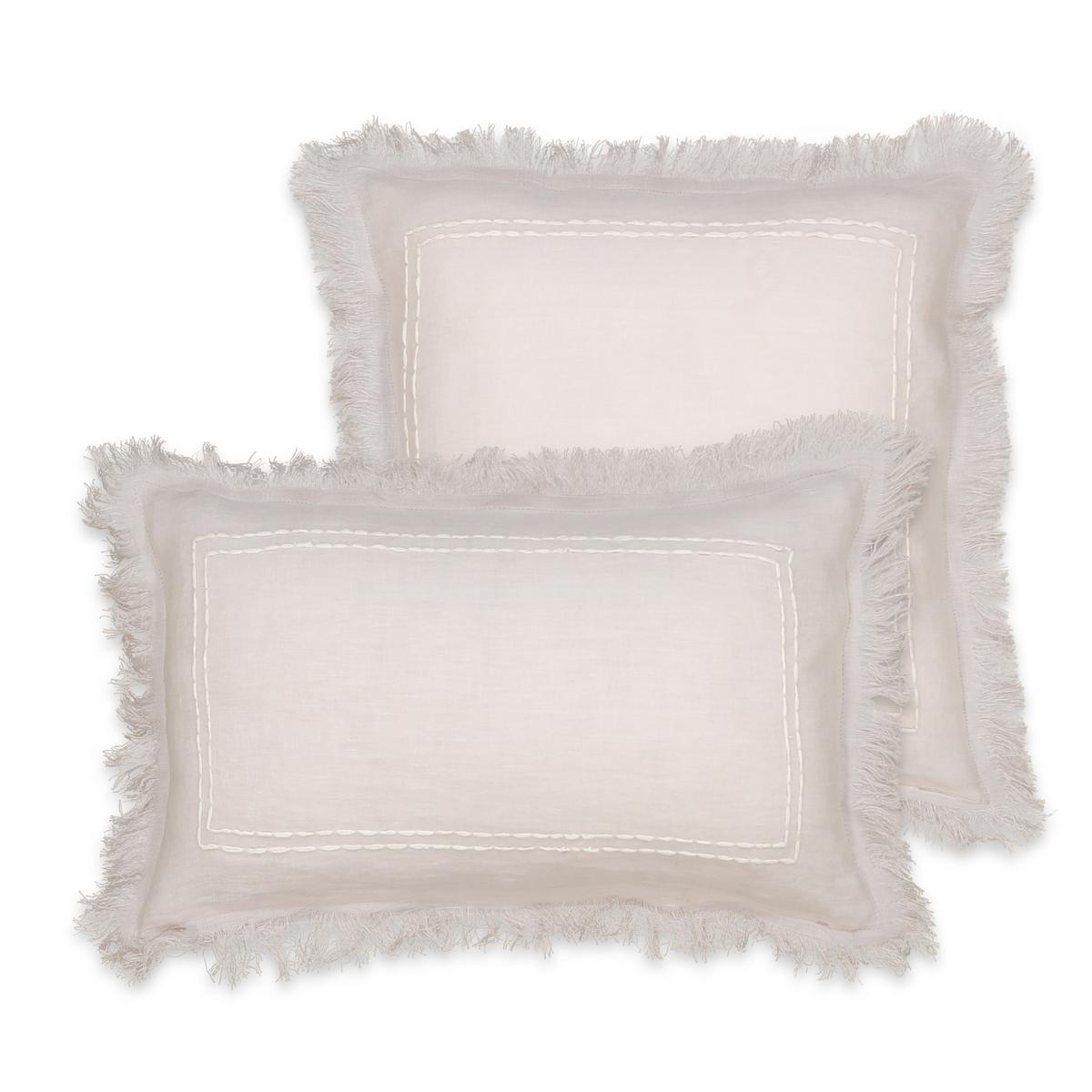 Чехол на подушку-валик с ручной вышивкой, DomitienОписание:Чехол на подушку-валик Domitien.  Изящный чехол с отделкой бахромой и вышивкой пунктирами на одной стороне и крестиком на другой стороне.  Имеется квадратная или прямоугольная модель и 4 расцветки для сочетания.  100% лен.   Скрытая застежка на молнию.  Размер : 40 x 40 см или 50 x 30 см.  Стирать при 30° на деликатном режиме.  Подушка продается отдельно.<br><br>Цвет: белый,розовая пудра,серый,темно-коричневый