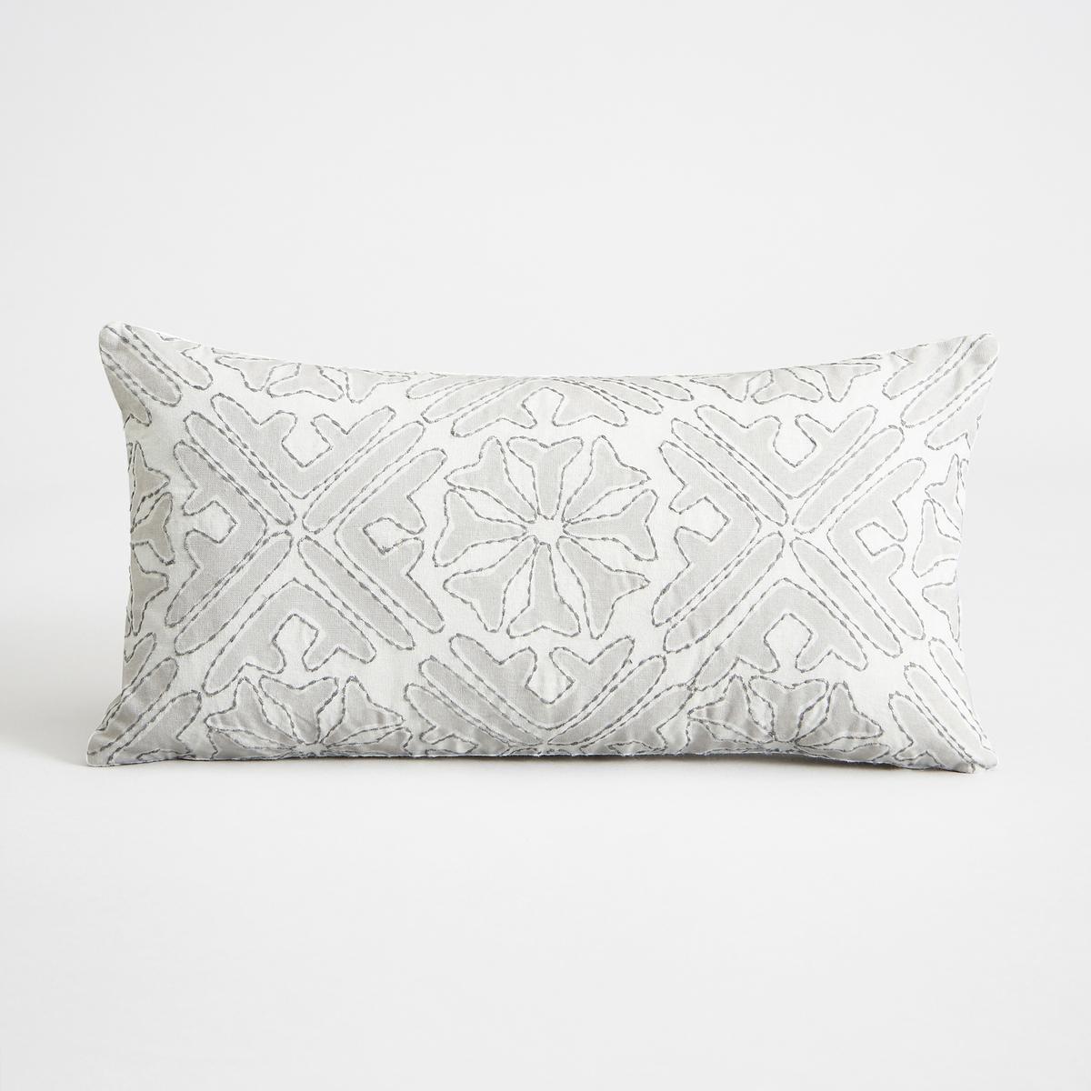 Наволочка на подушку-валик, AnziluНаволочка на подушку-валик Anzilu. Красивый цветочный рисунок светло-серого цвета с вышивкой. Оборотная сторона цвета экрю. Застежка на скрытую молнию сзади. 100% хлопок. Размеры : 40 x 20 см. Подушка продается отдельно.<br><br>Цвет: светло-серый