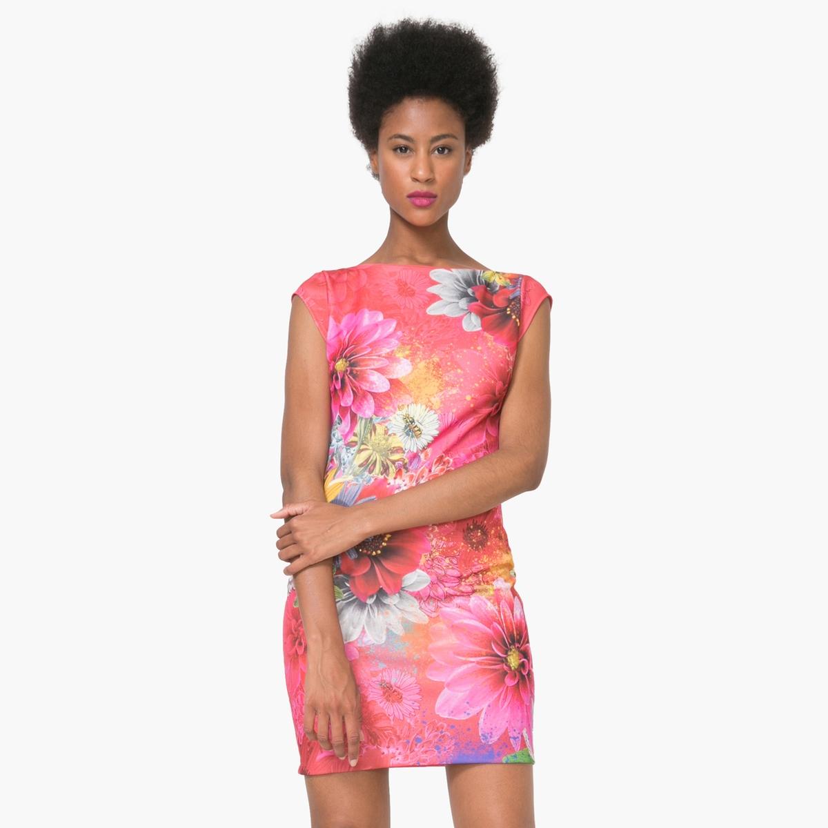 Платье короткое с короткими рукавами с рисункомМатериал : 3% эластана, 97% полиэстера  Длина рукава : короткие рукава  Форма воротника : круглый вырез Покрой платья : платье облегающего покроя Рисунок : цветочный   Длина платья : короткое<br><br>Цвет: фуксия<br>Размер: M