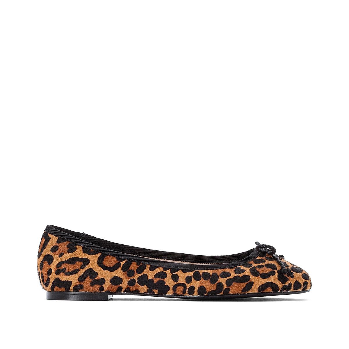 Bailarinas de piel, con estampado leopardo