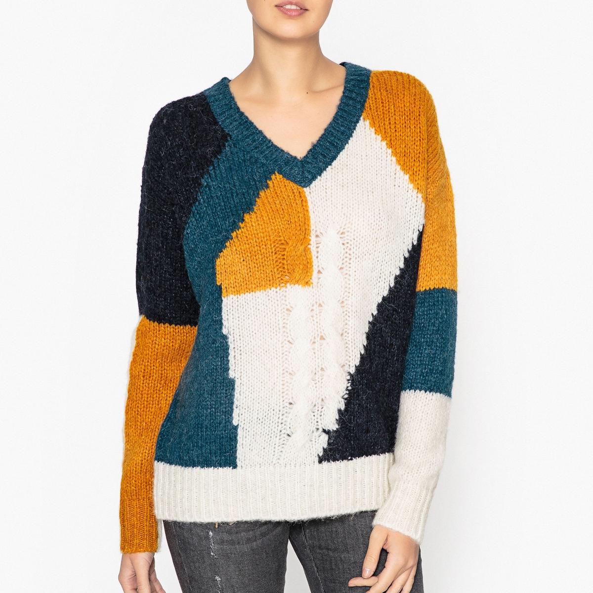 Пуловер с V-образным вырезом TONYЦветной пуловер с длинными рукавами BERENICE - модель TONY с V-образным вырезом.Детали   •  Длинные рукава •   V-образный вырез •  Плотный трикотаж Состав и уход   •  53% шерсти, 17% альпаки, 30% полиамида •  Следуйте советам по уходу, указанным на этикетке<br><br>Цвет: разноцветный