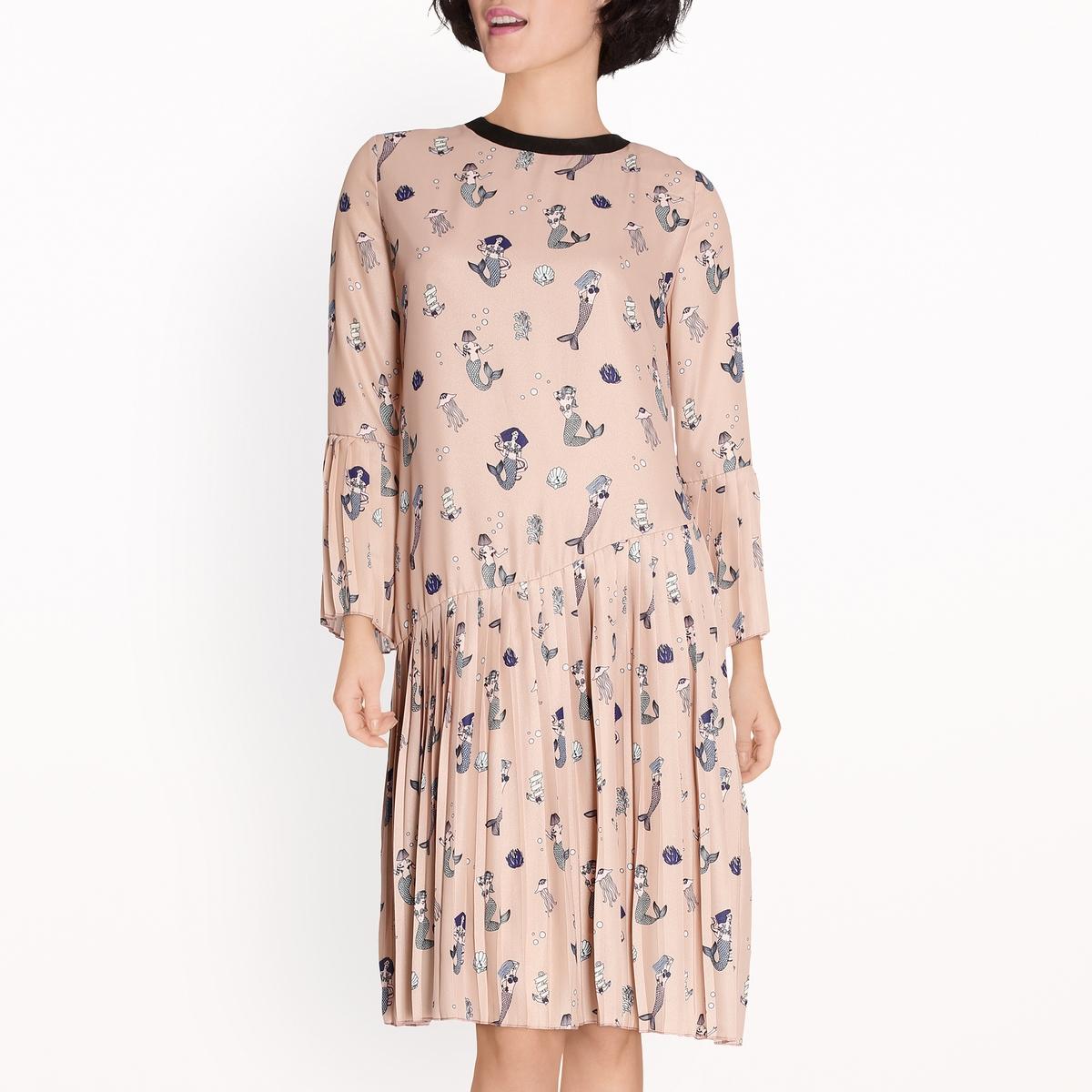 Платье с принтом и мелкими складками
